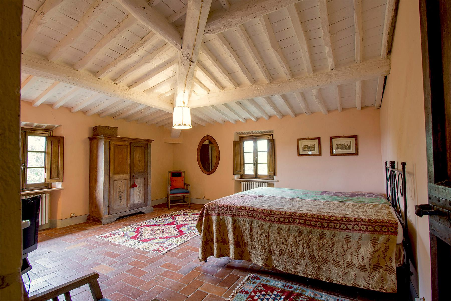 An enchanting villa in Florentine Chianti - 31