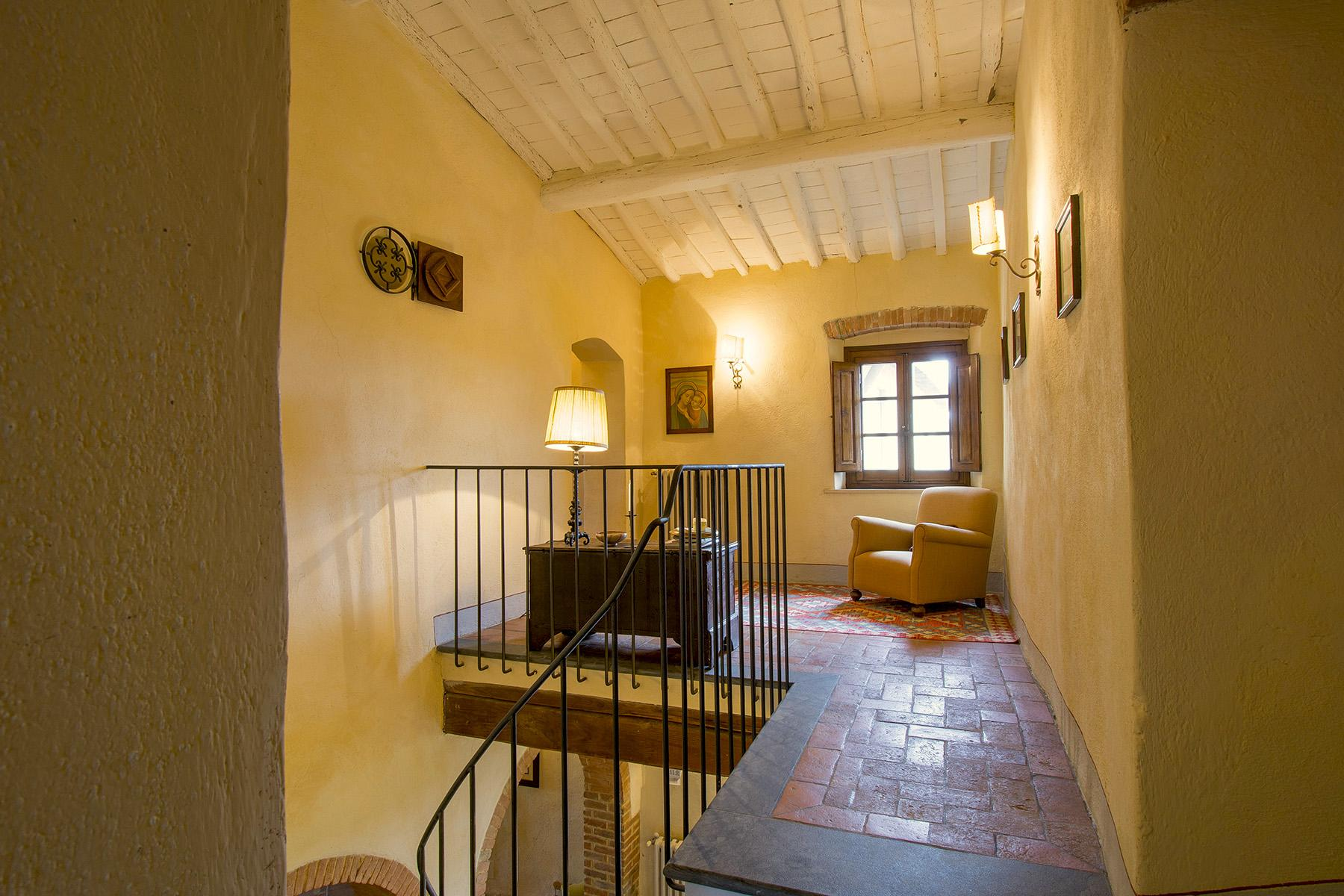 An enchanting villa in Florentine Chianti - 33