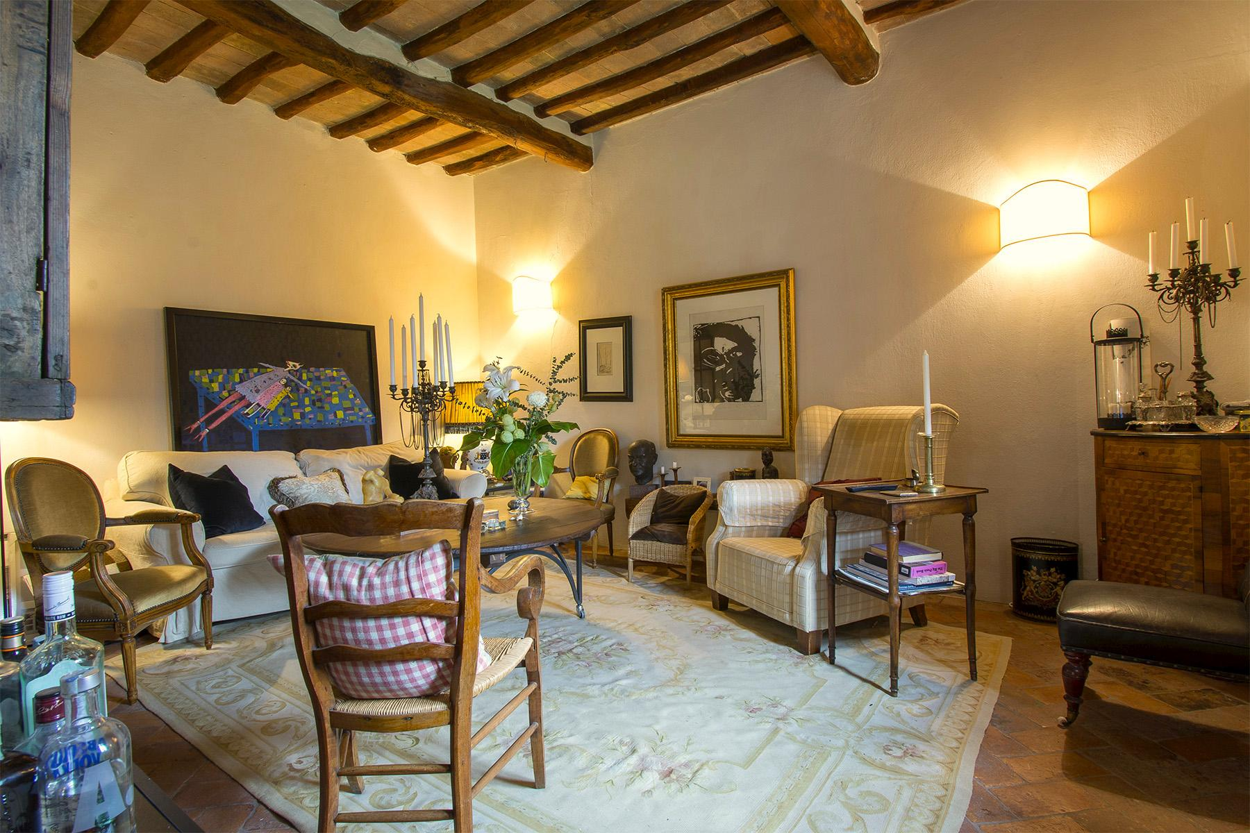 An enchanting villa in Florentine Chianti - 35