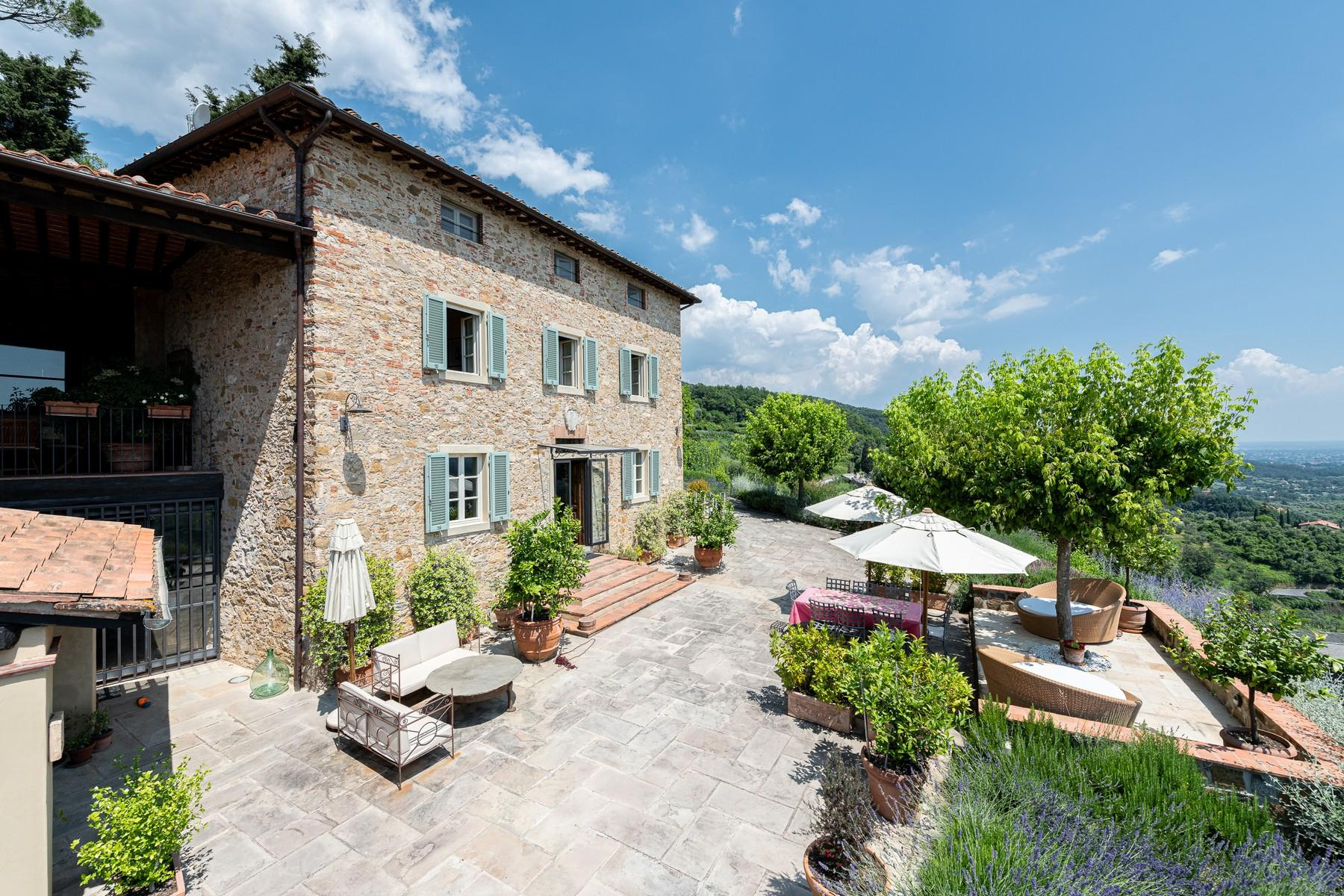 Magical farmhouse with stunning views on the hills of Lucca - 3