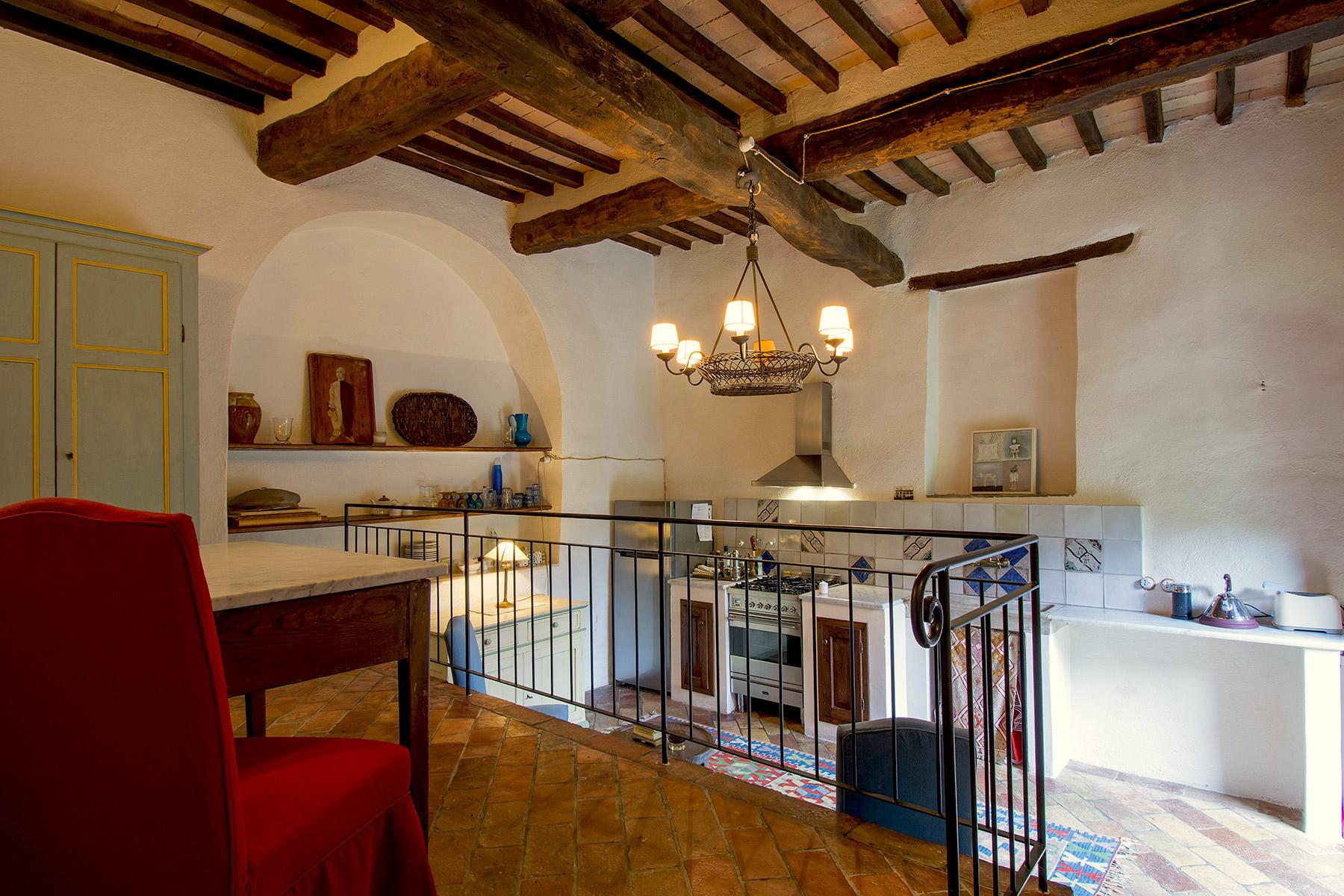 An enchanting villa in Florentine Chianti - 41