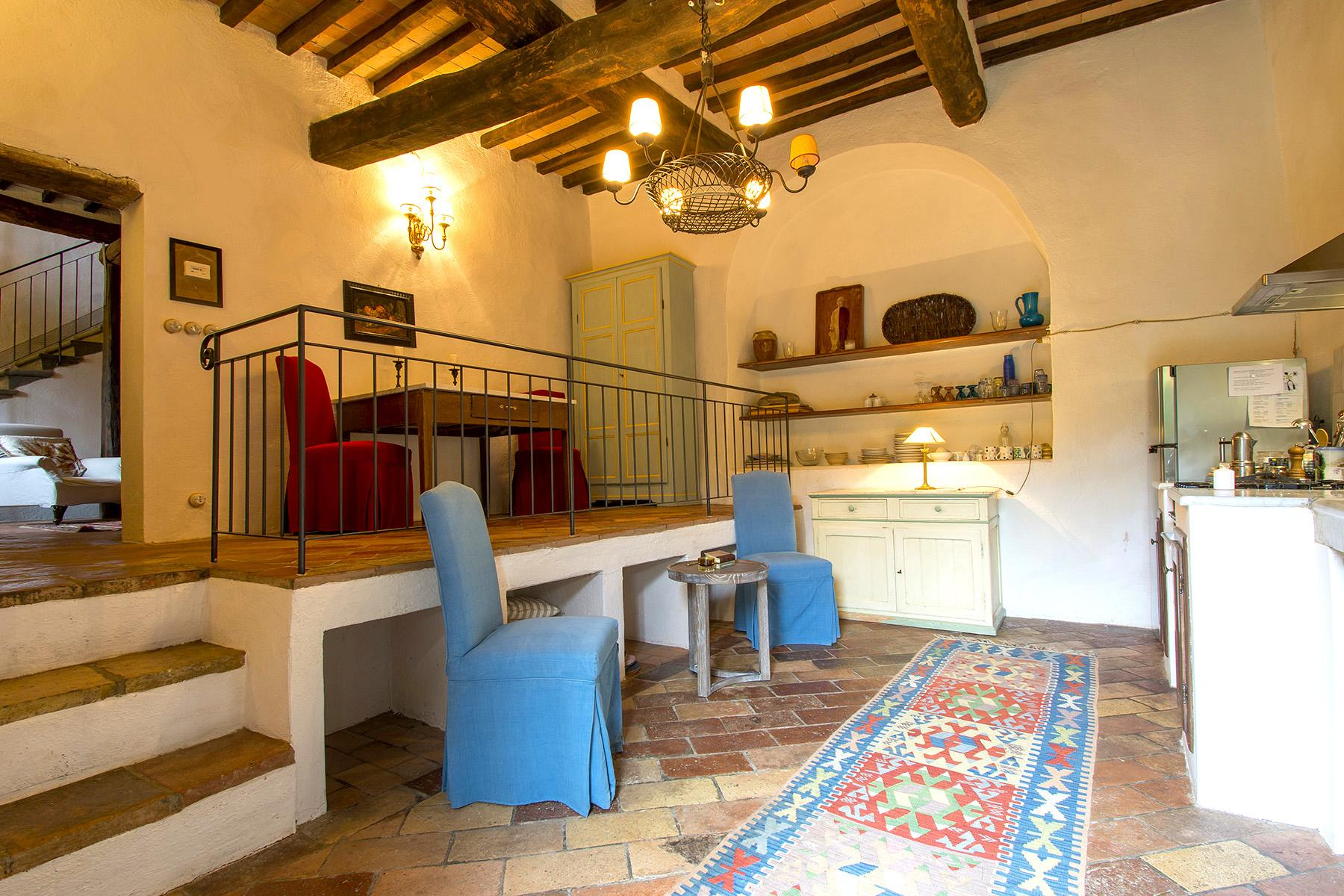 An enchanting villa in Florentine Chianti - 11
