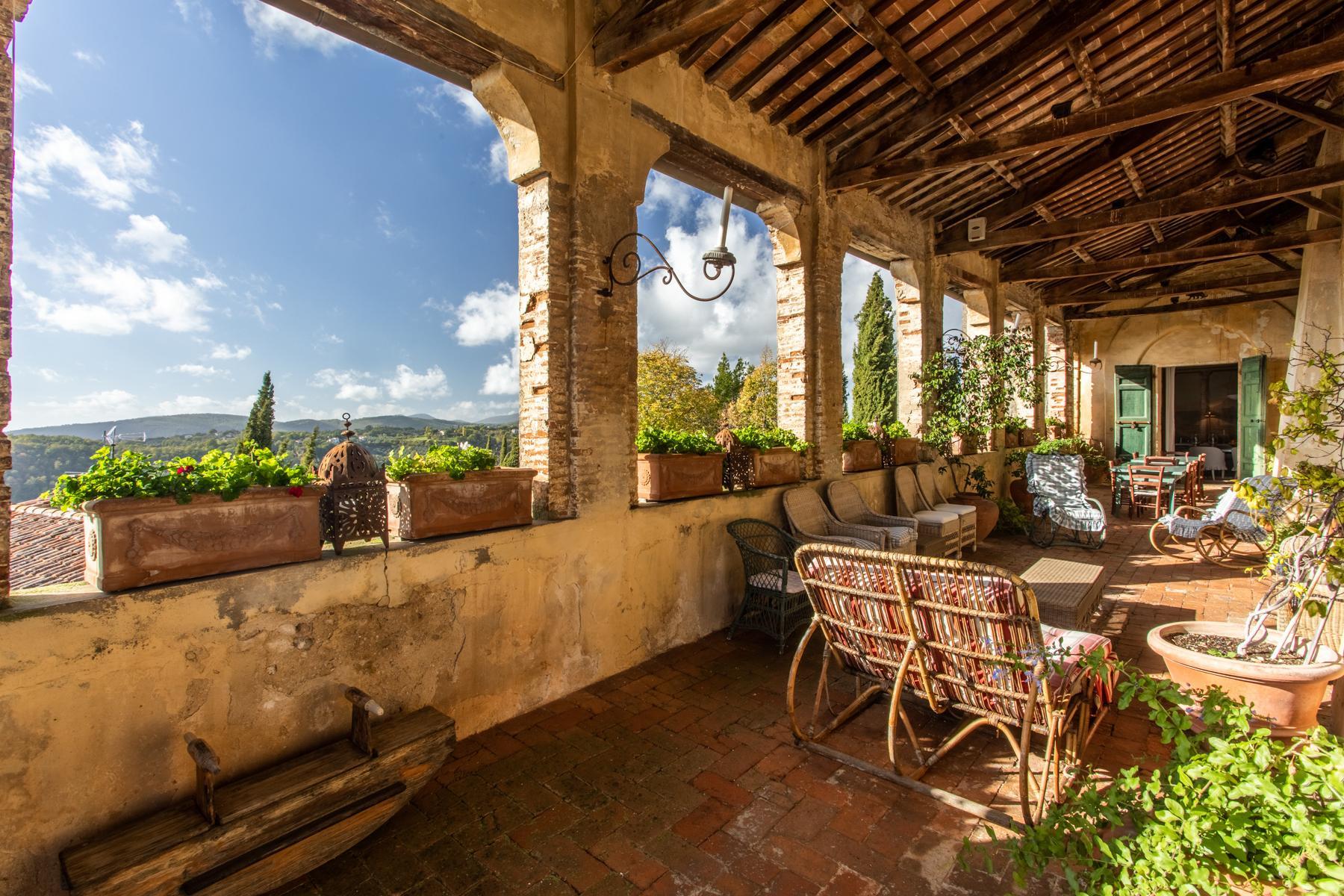 中世纪村庄Oliveto山顶上的雄壮宫殿 - 6