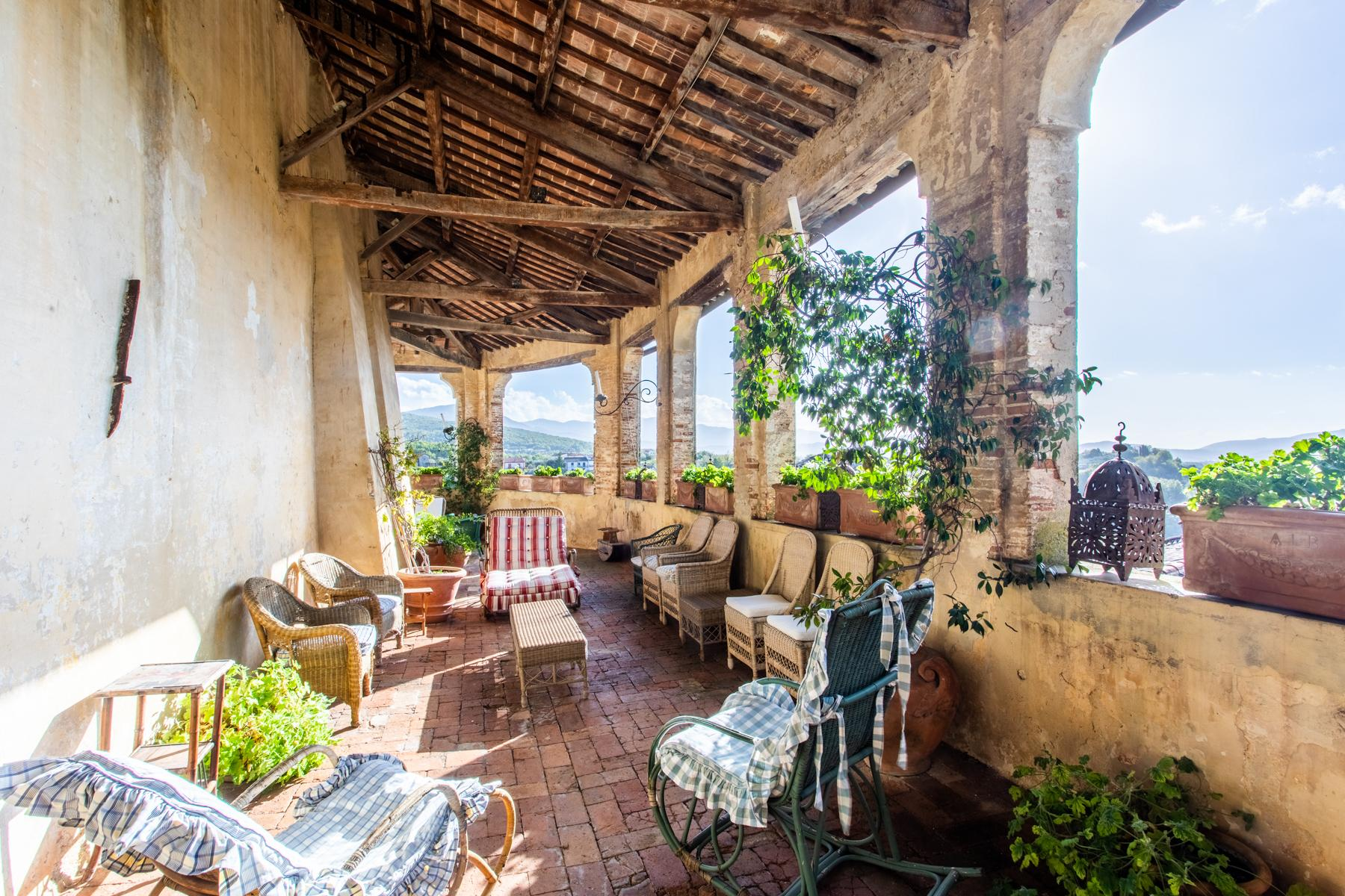 中世纪村庄Oliveto山顶上的雄壮宫殿 - 5