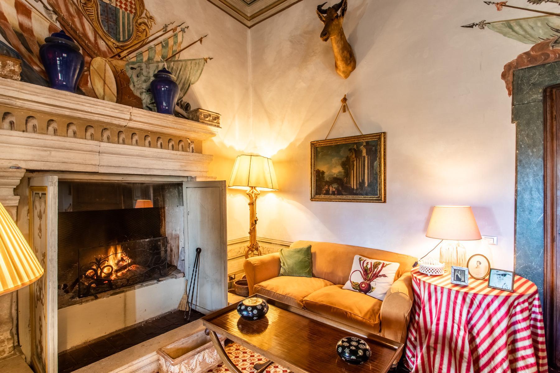 中世纪村庄Oliveto山顶上的雄壮宫殿 - 12