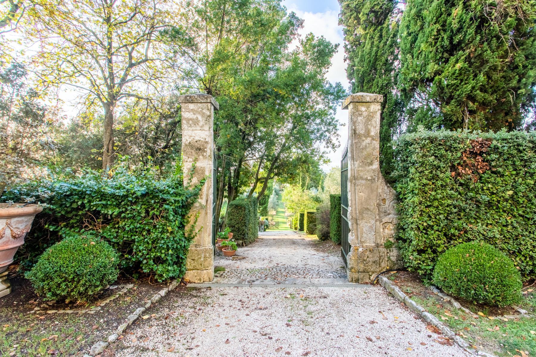 Maestoso palazzo sulla sommità del borgo medievale di Oliveto - 22