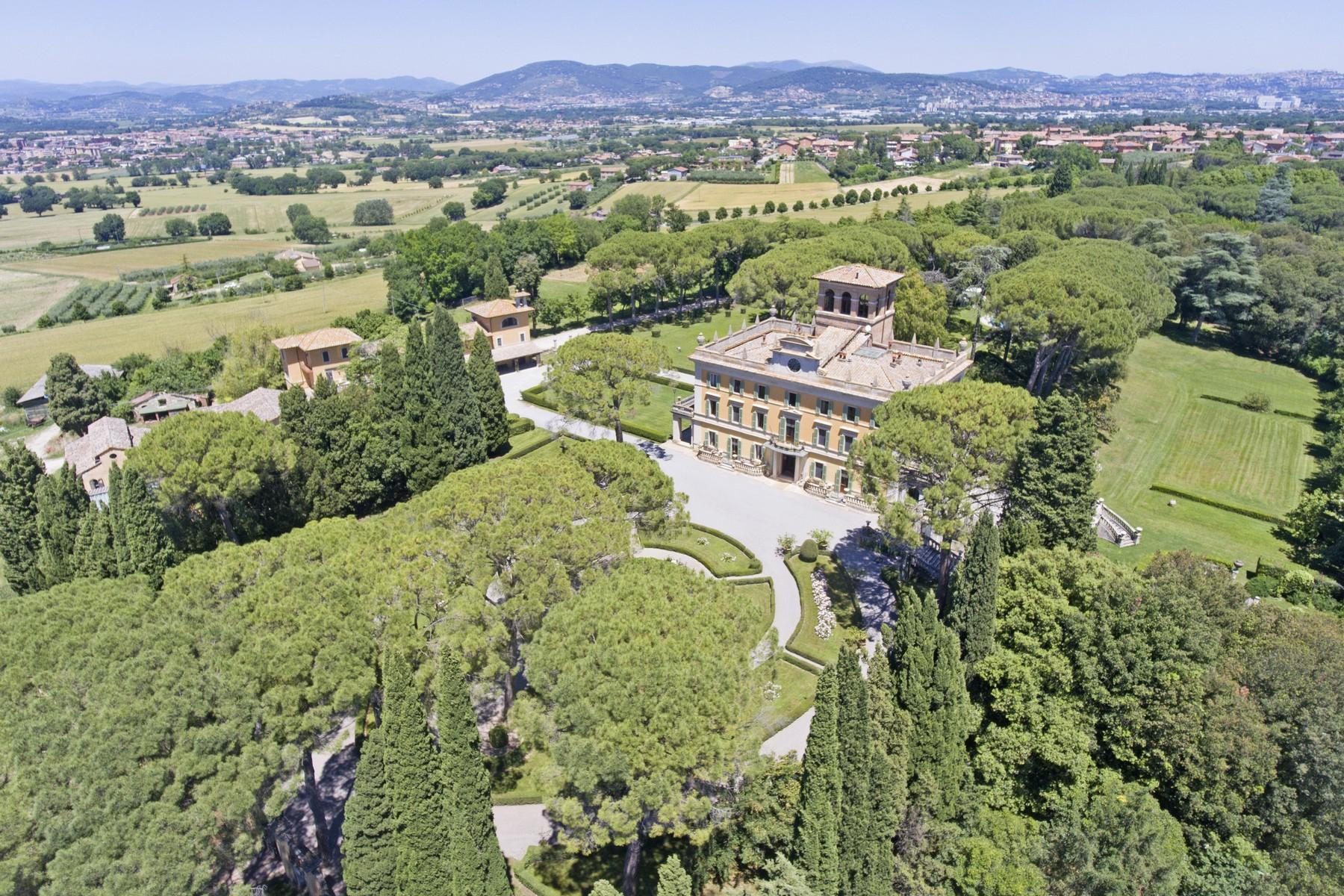 Magnificent historical villa with typical italian garden in Umbria - 5