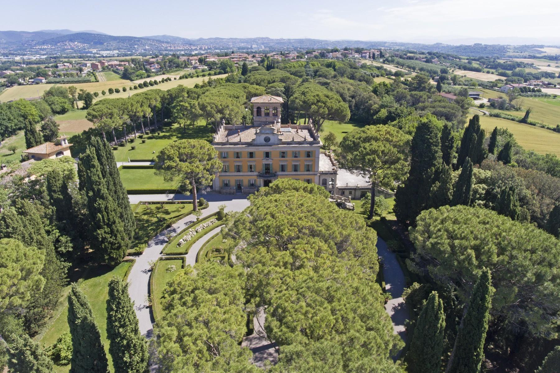 Magnificent historical villa with typical italian garden in Umbria - 7