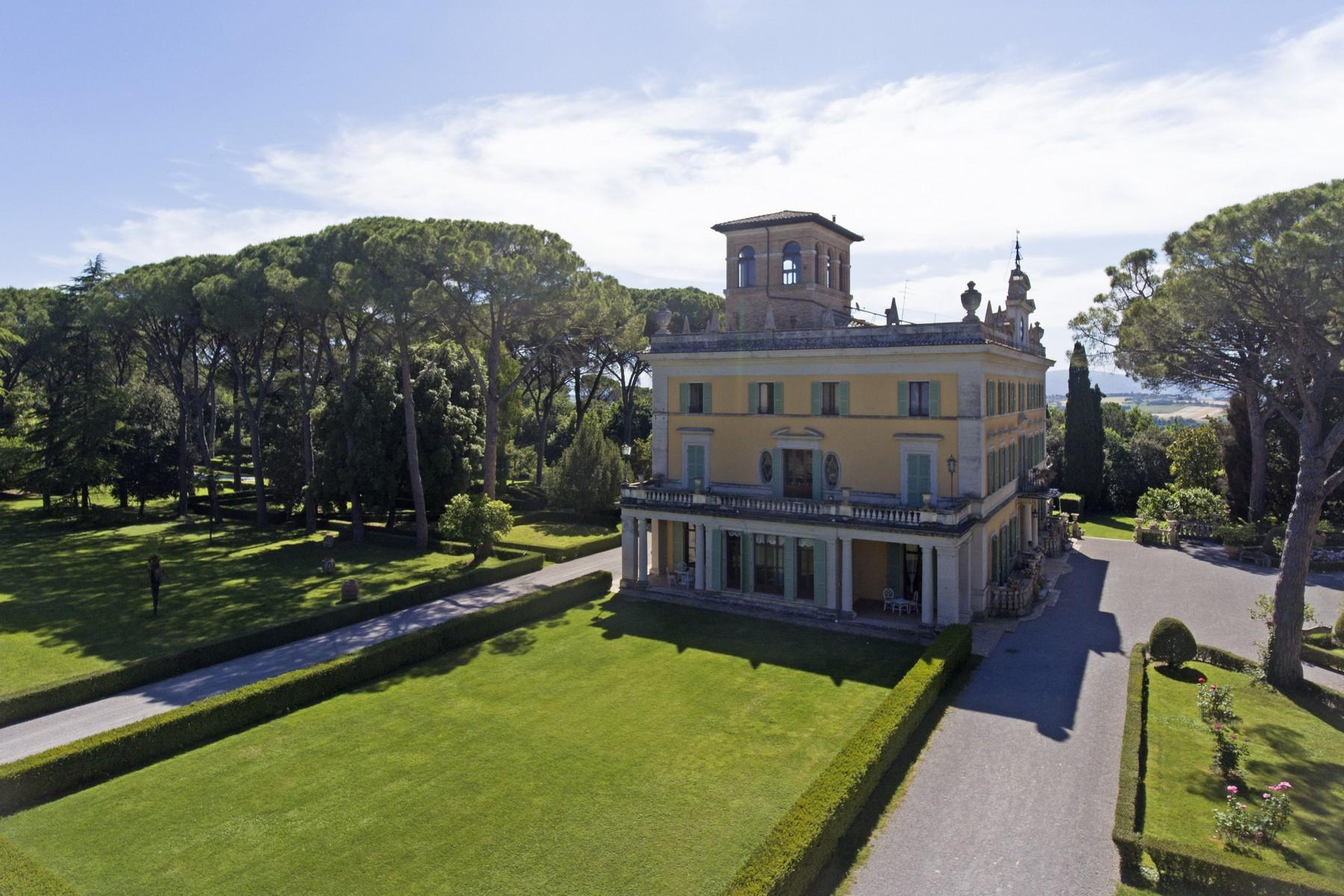 Magnificent historical villa with typical italian garden in Umbria - 19