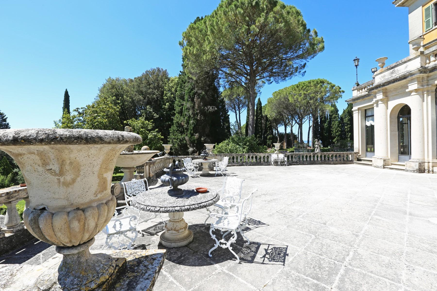 Magnificent historical villa with typical italian garden in Umbria - 25