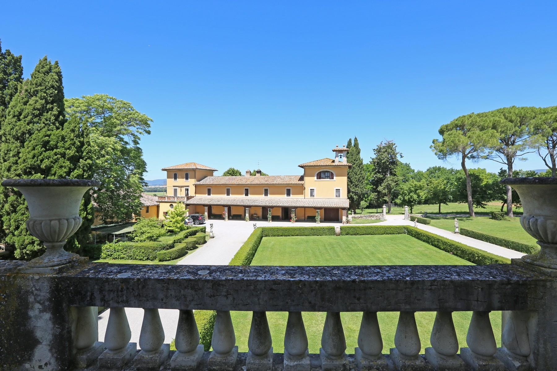 Magnificent historical villa with typical italian garden in Umbria - 14