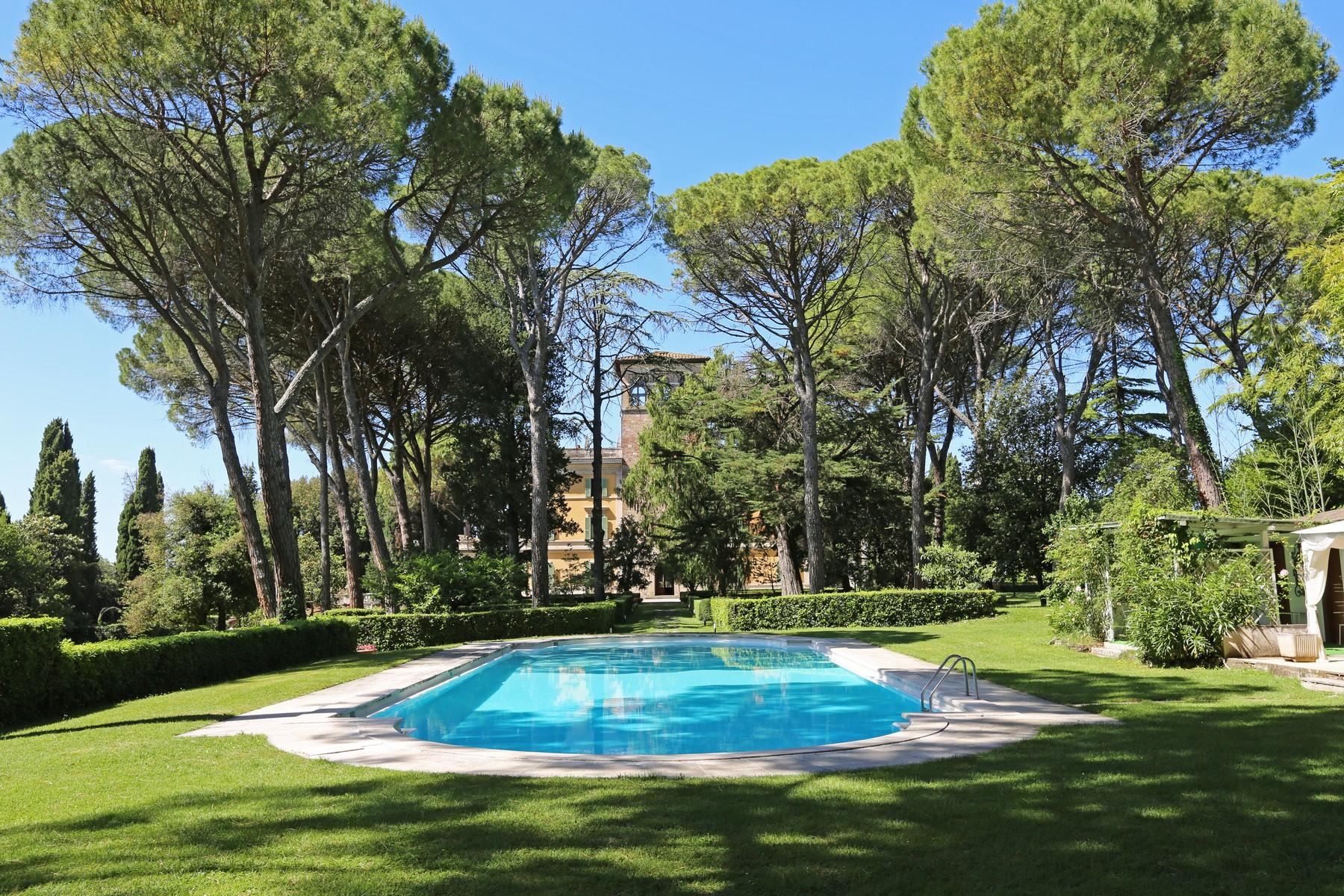 Magnificent historical villa with typical italian garden in Umbria - 26