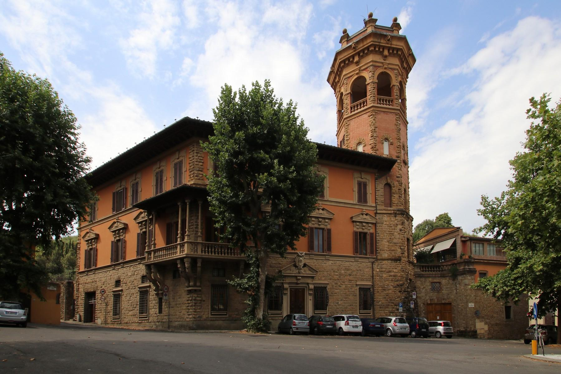 Flamboyant Top-floor Apartment with Tower in Bellosguardo, Florence - 2