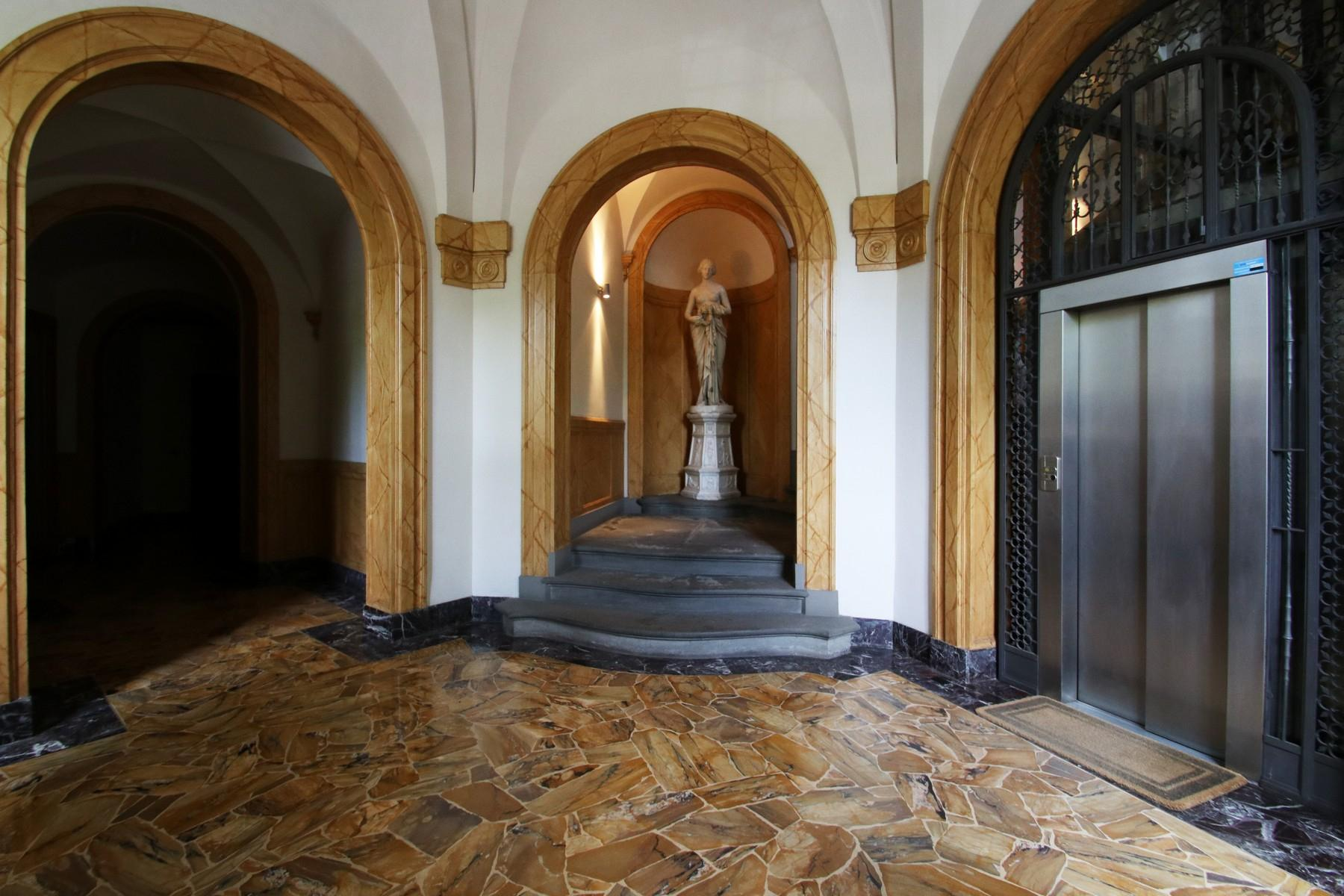 Flamboyant Top-floor Apartment with Tower in Bellosguardo, Florence - 4