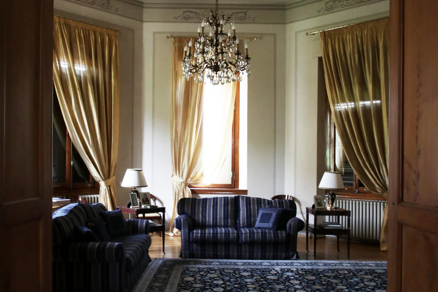 Flamboyant Top-floor Apartment with Tower in Bellosguardo, Florence - 5