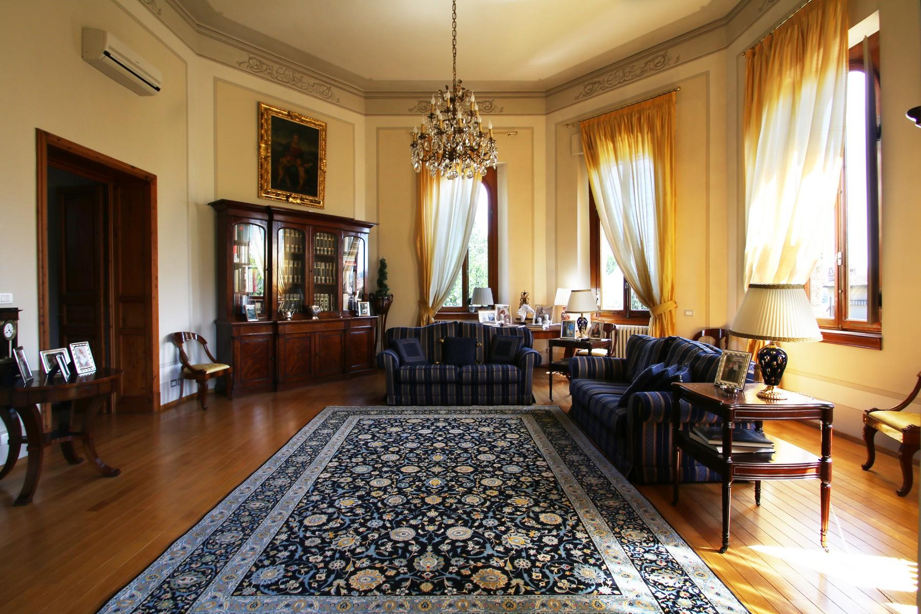 Flamboyant Top-floor Apartment with Tower in Bellosguardo, Florence - 6