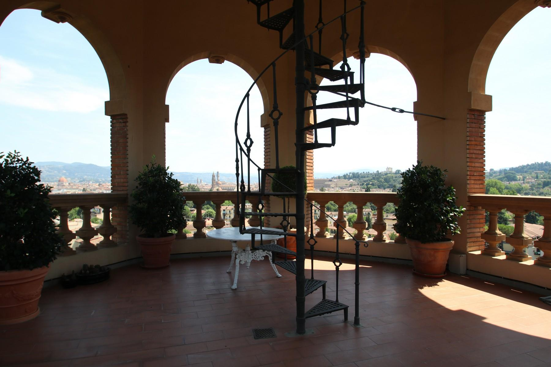 Flamboyant Top-floor Apartment with Tower in Bellosguardo, Florence - 1