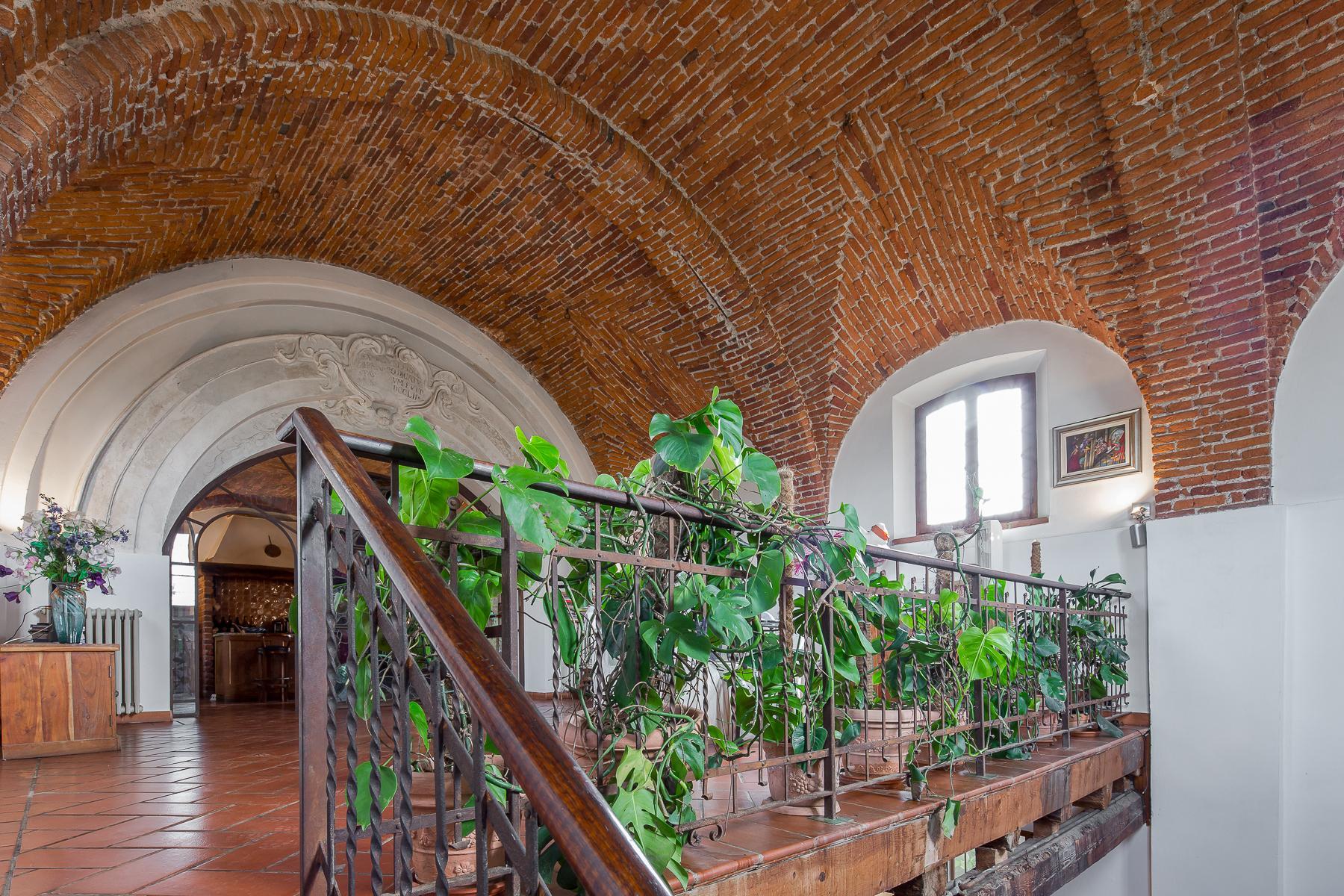 Storica chiesa sconsacrata, adibita ad abitazione, con giardino - 18