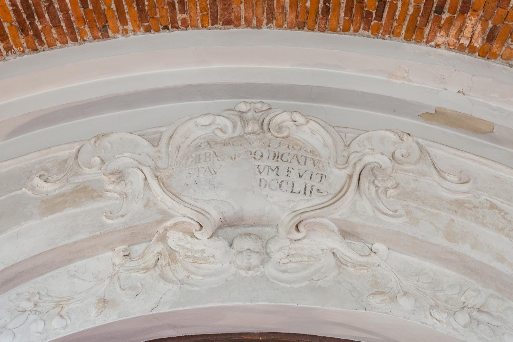 Storica chiesa sconsacrata, adibita ad abitazione, con giardino - 23