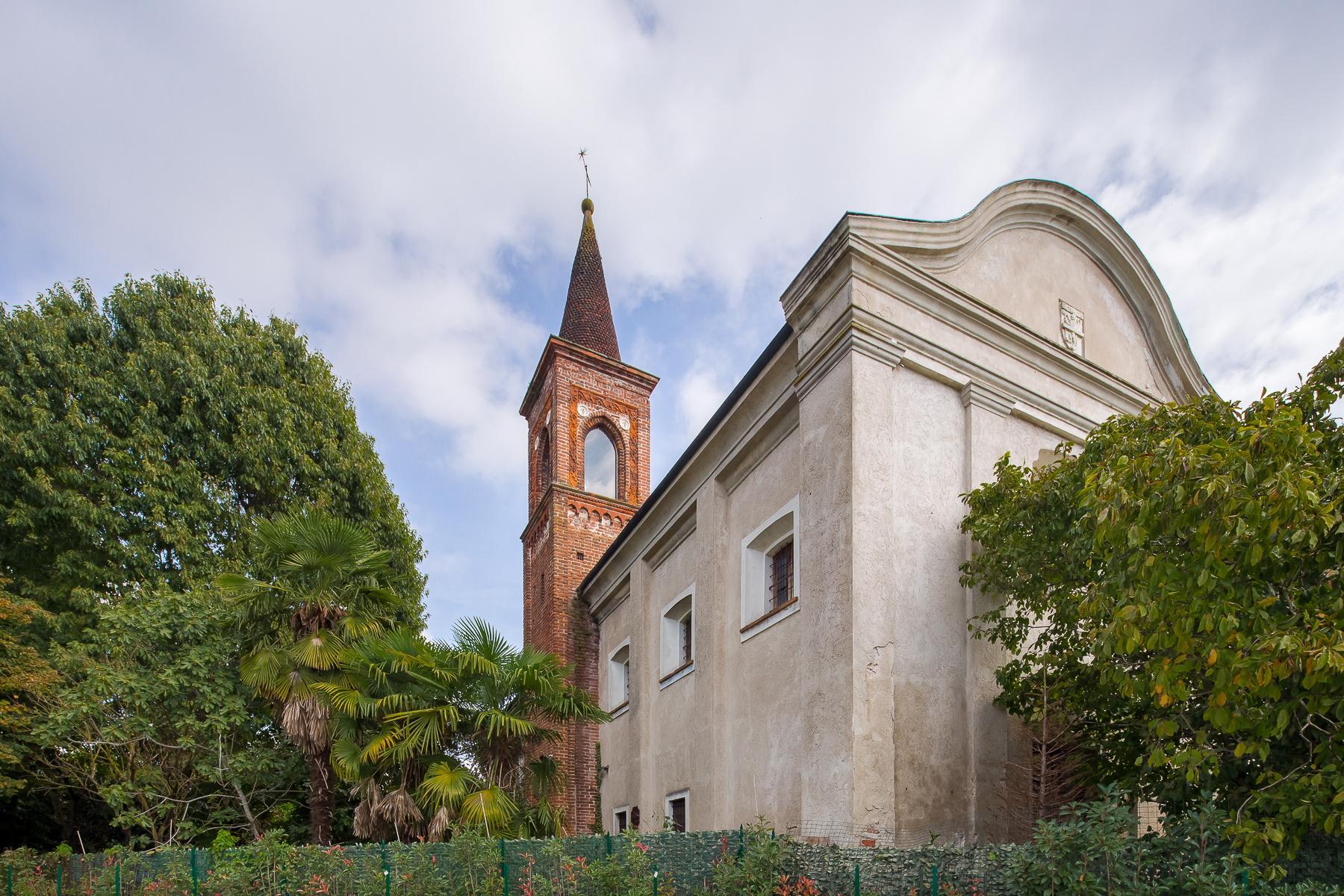 Storica chiesa sconsacrata, adibita ad abitazione, con giardino - 33