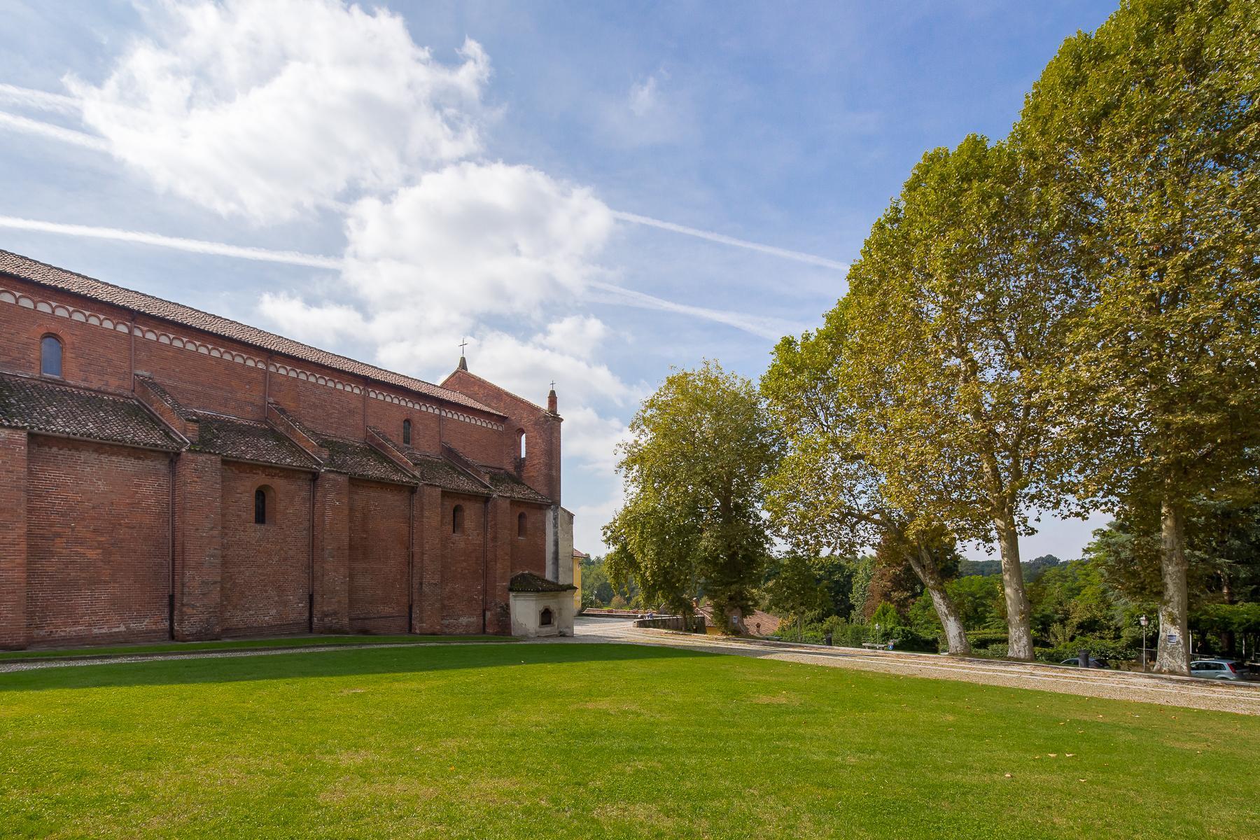 Storica chiesa sconsacrata, adibita ad abitazione, con giardino - 35