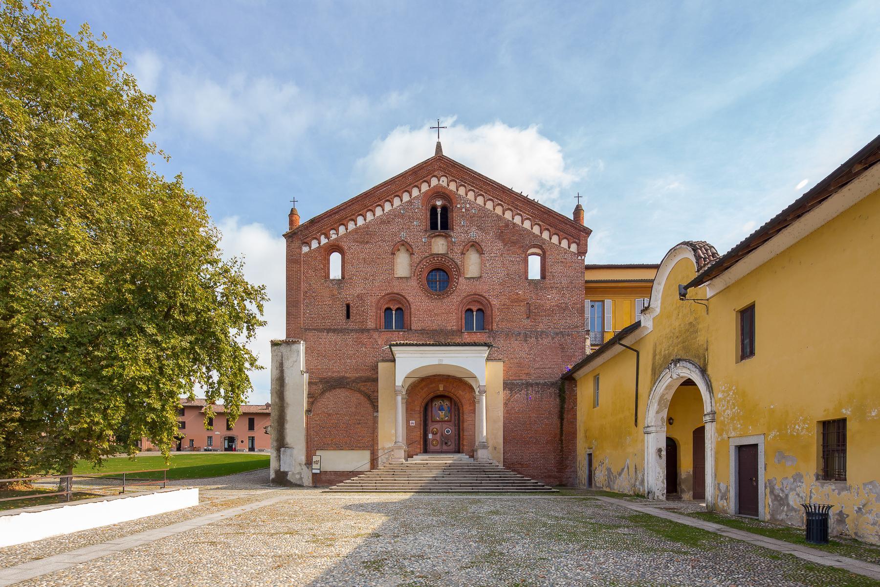 Storica chiesa sconsacrata, adibita ad abitazione, con giardino - 36