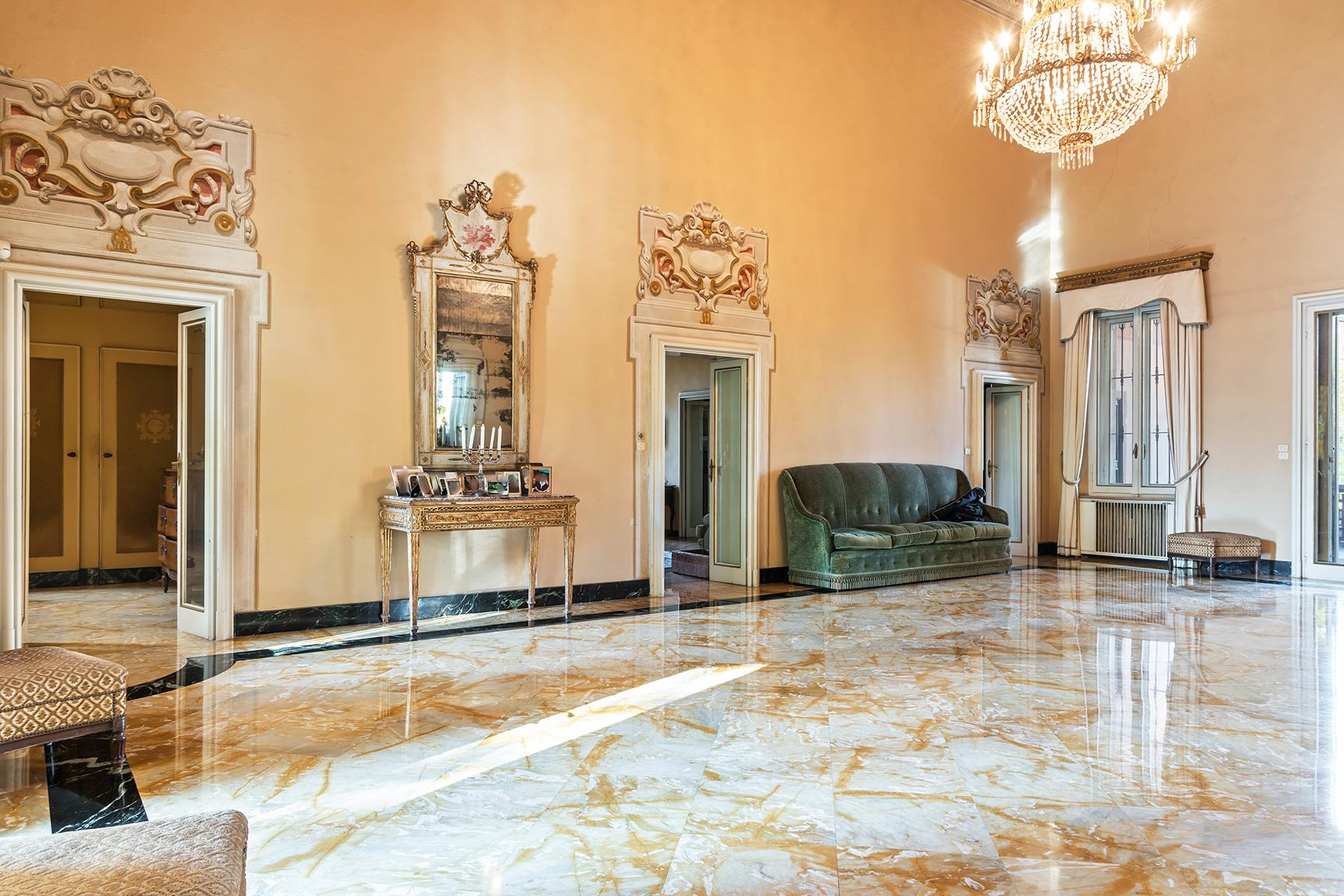 Elegant historical property with large park in Parma - 10