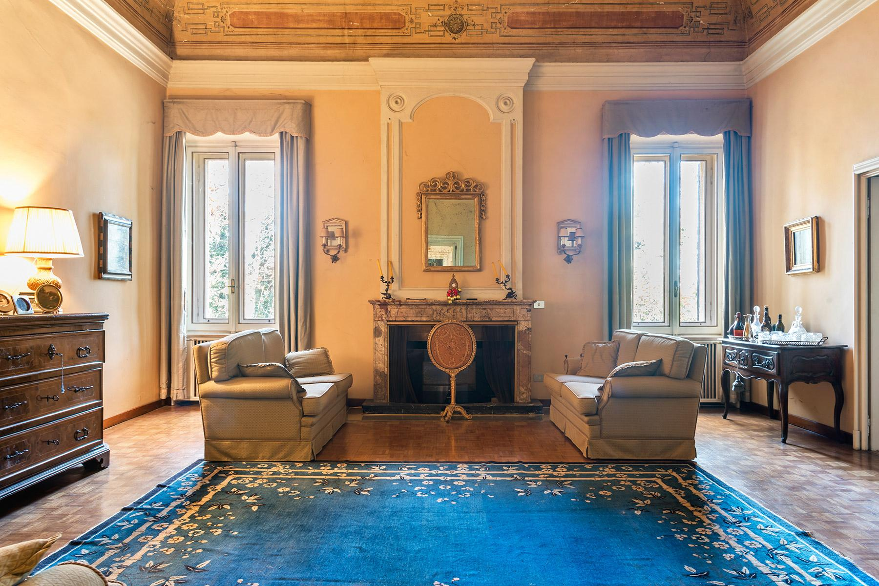 Elegant historical property with large park in Parma - 4