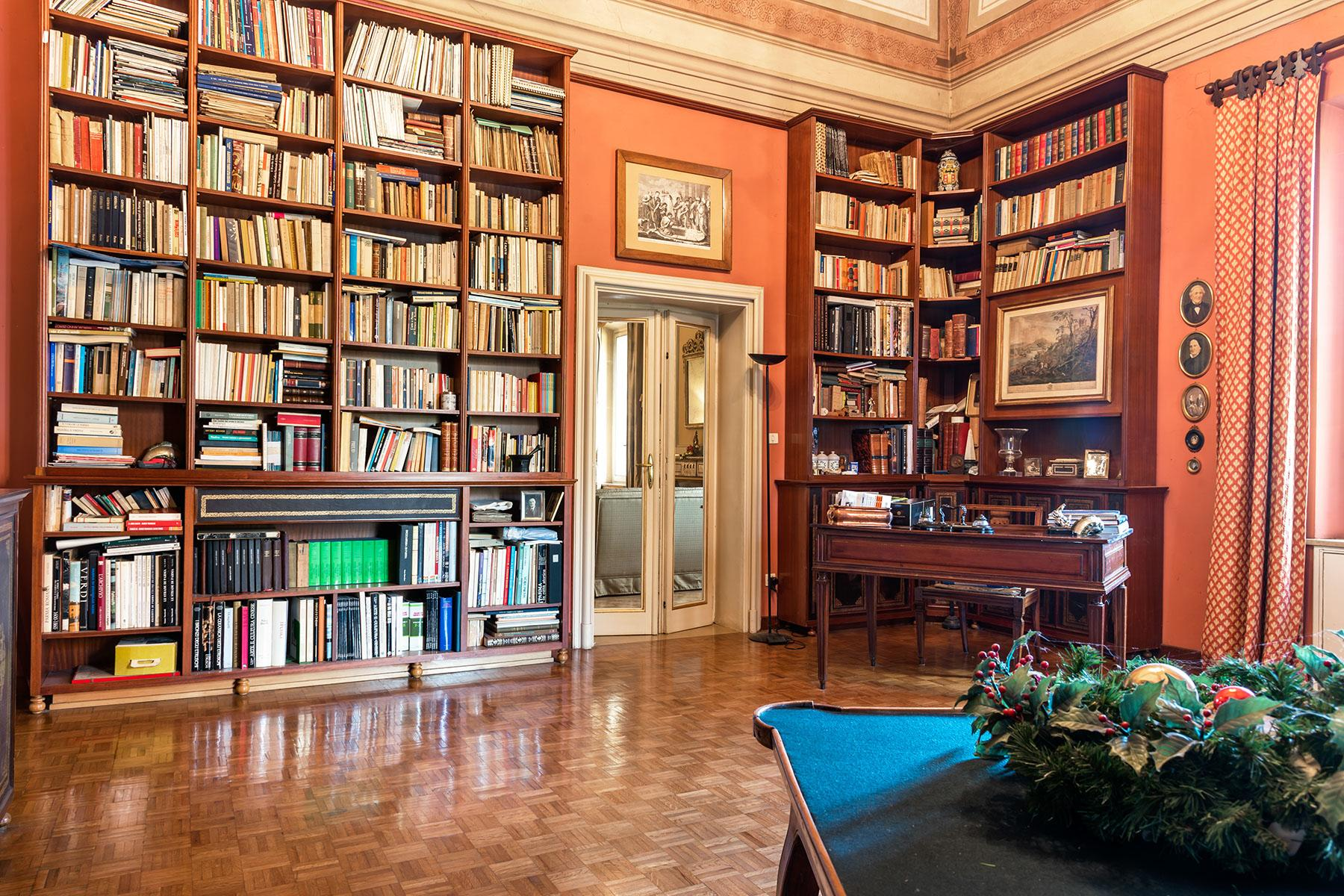Elegant historical property with large park in Parma - 13