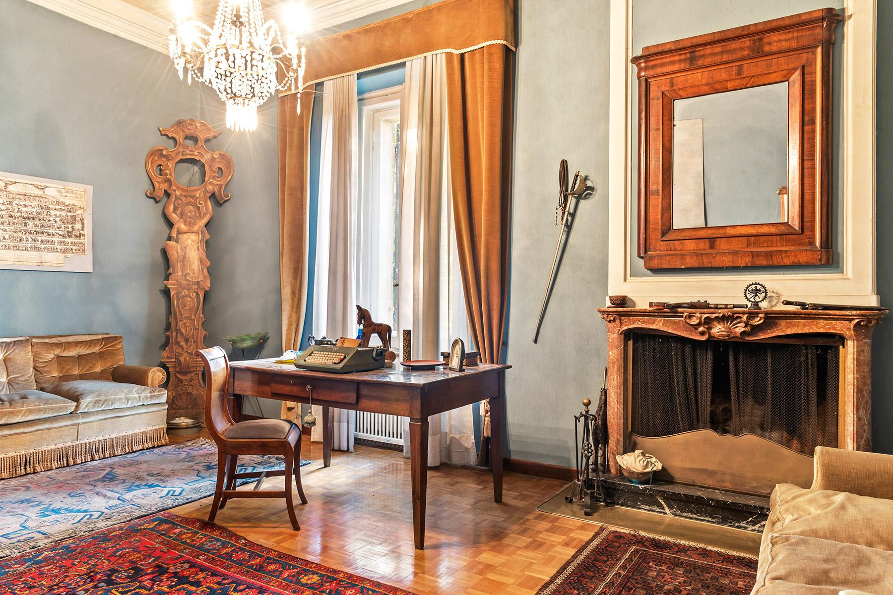 Elegant historical property with large park in Parma - 5