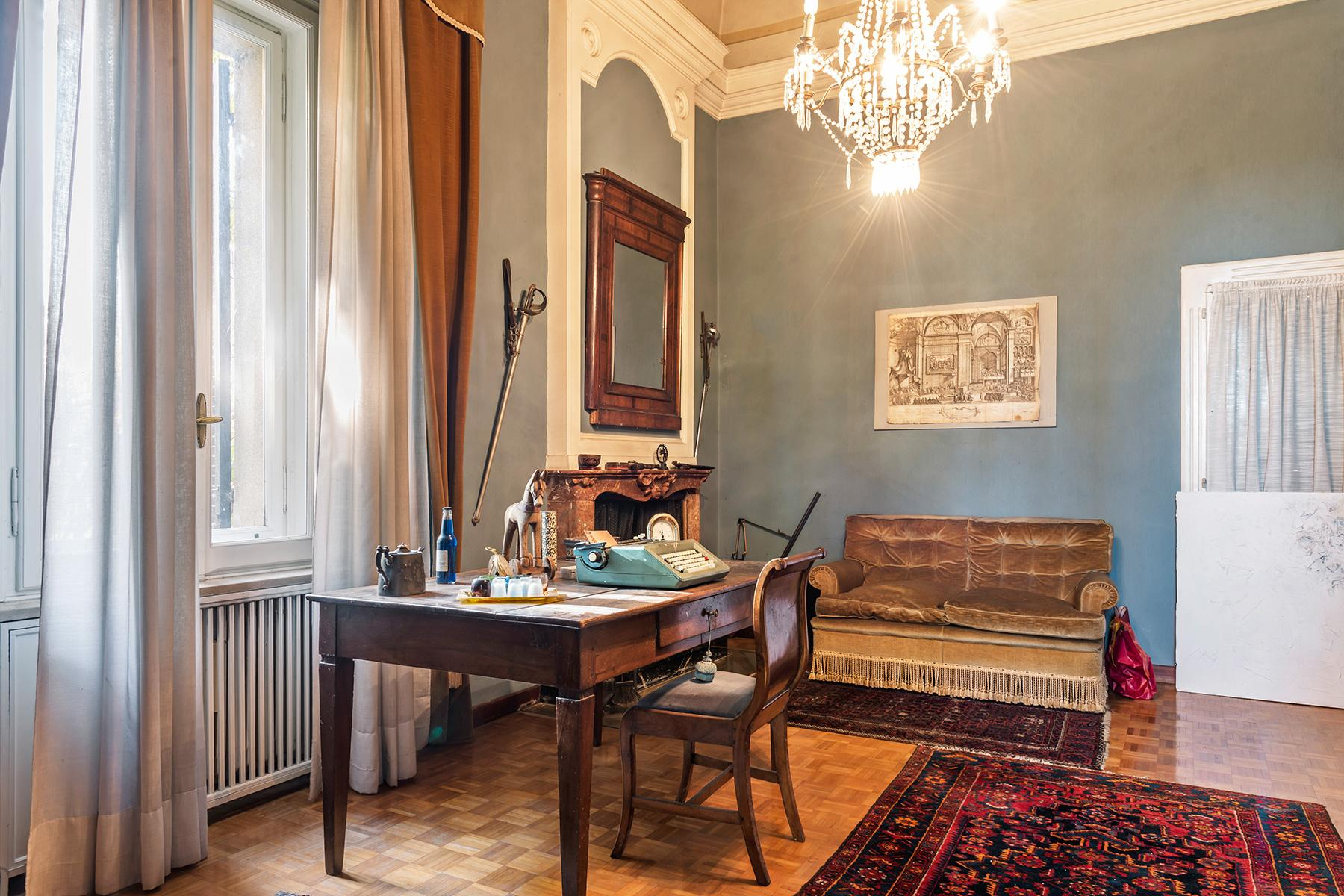 Elegant historical property with large park in Parma - 6