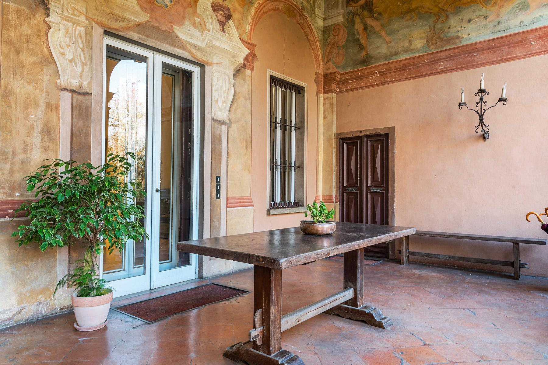 Elegant historical property with large park in Parma - 8