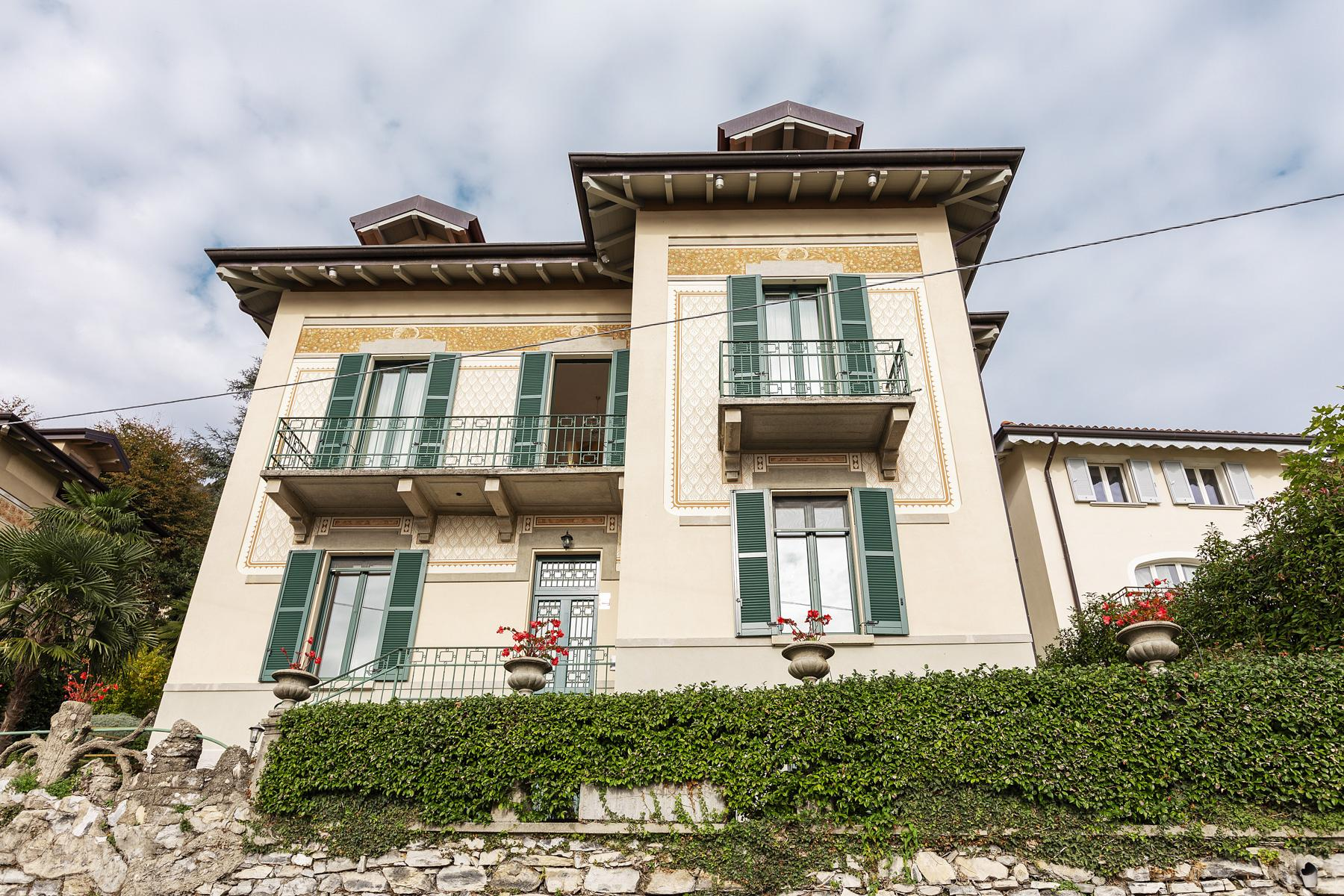 Beautiful villa with wonderful view over the city and the Lake Como - 1