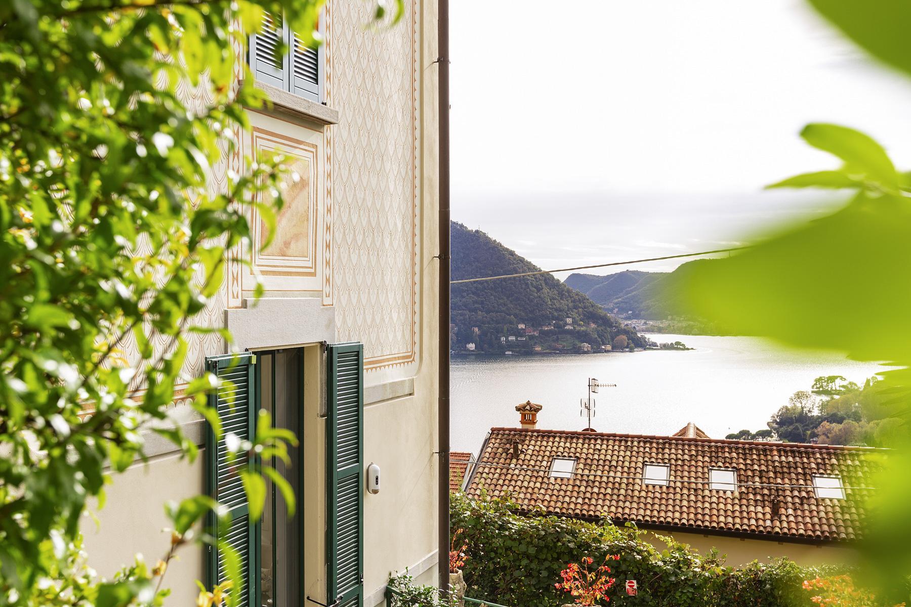 Belle villa avec une vue magnifique sur la ville et le premier bassin du lac de Côme - 2