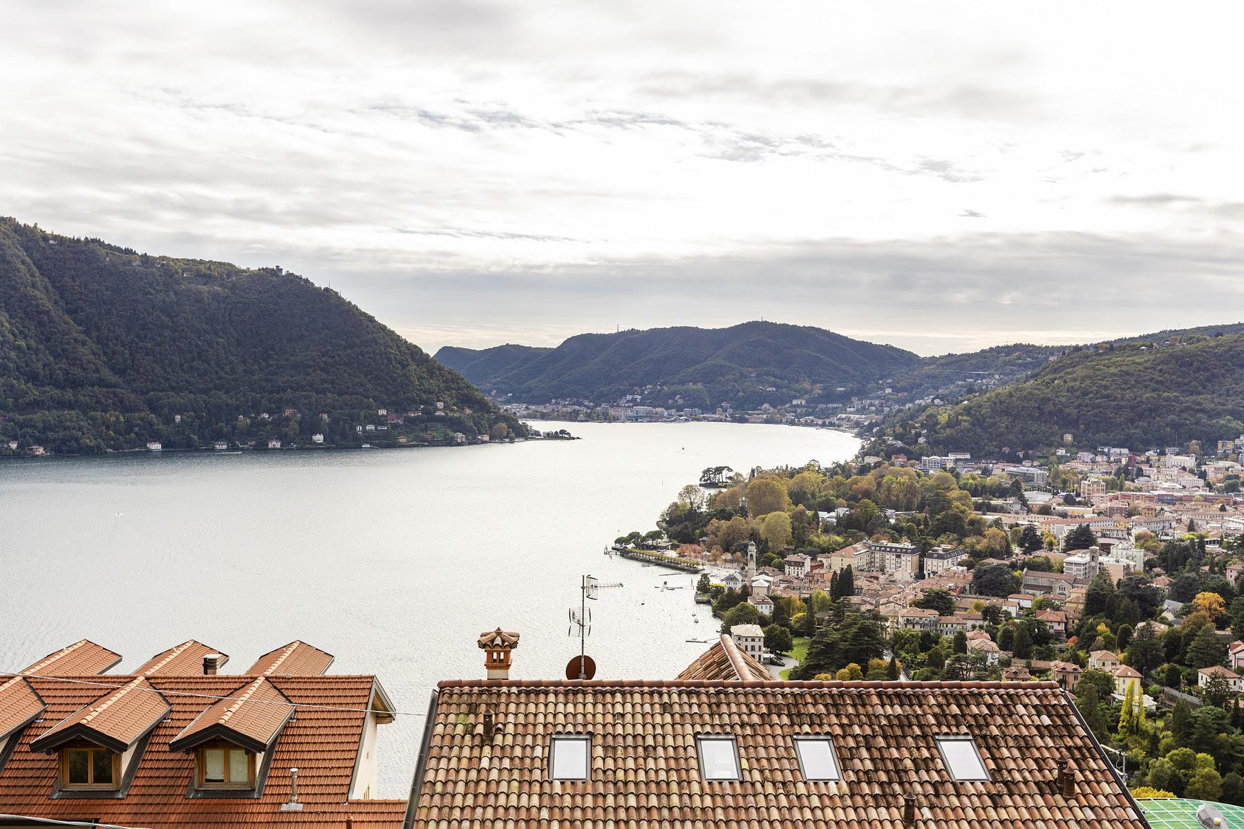Beautiful villa with wonderful view over the city and the Lake Como - 17