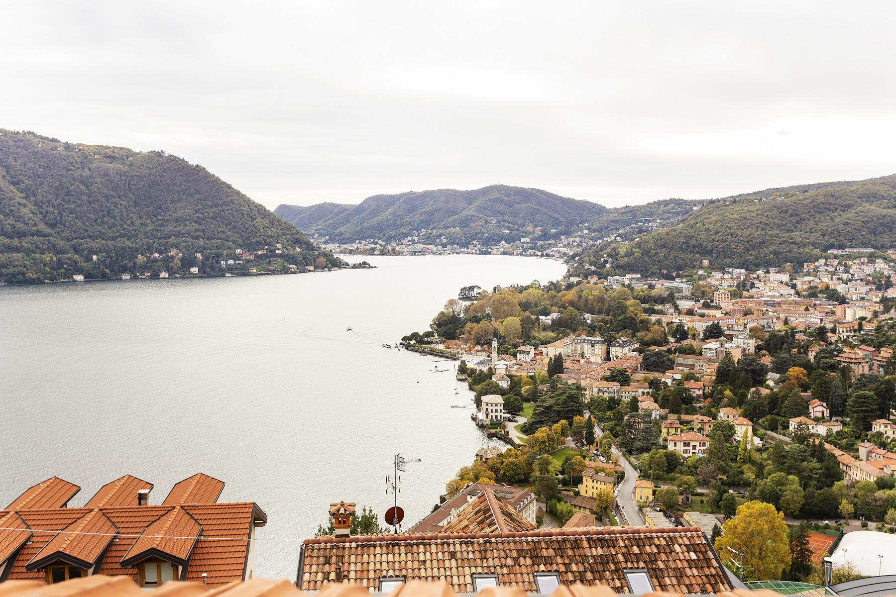 Beautiful villa with wonderful view over the city and the Lake Como - 25