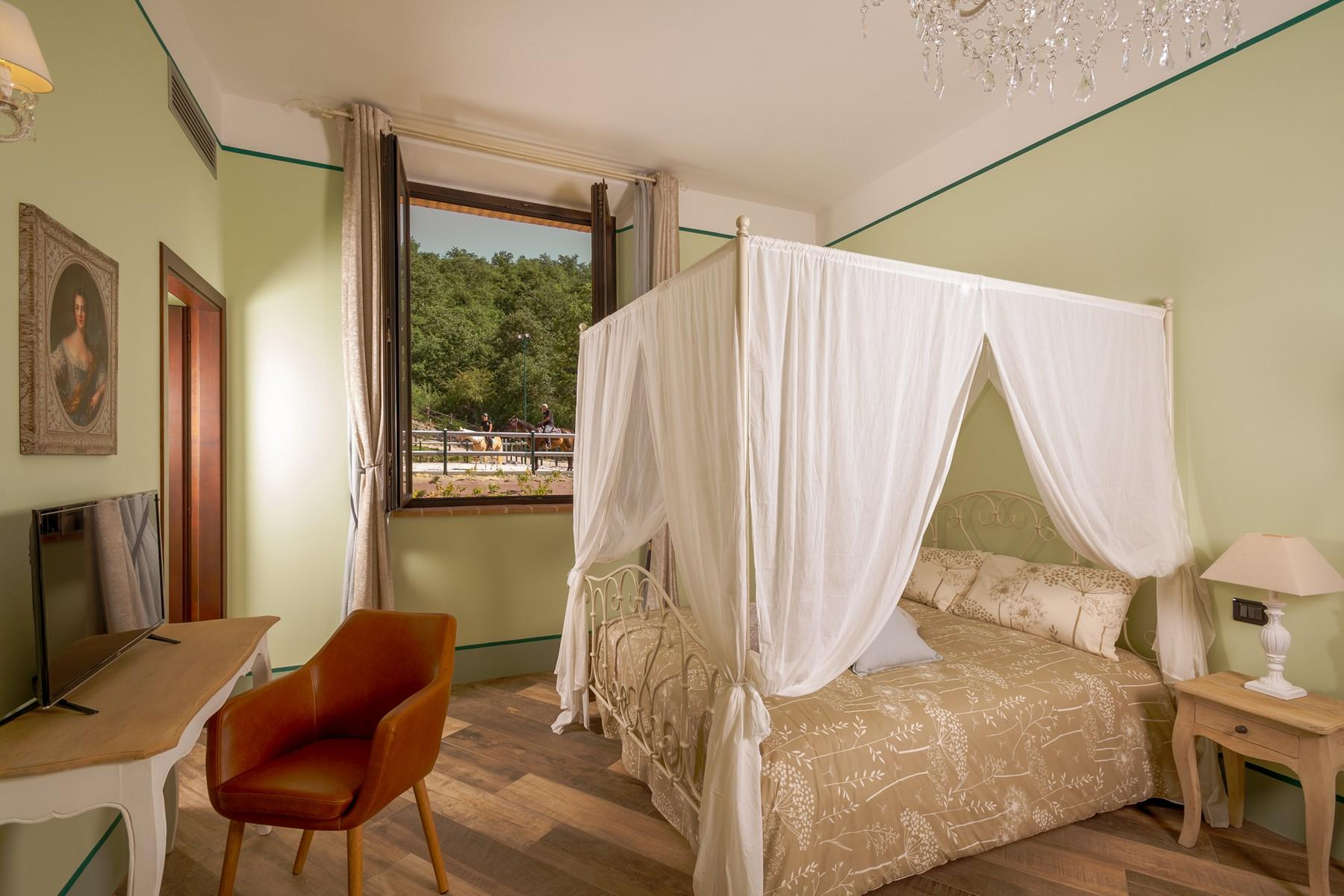 Equestrian facility/boutique hotel Val d'Orcia - 14
