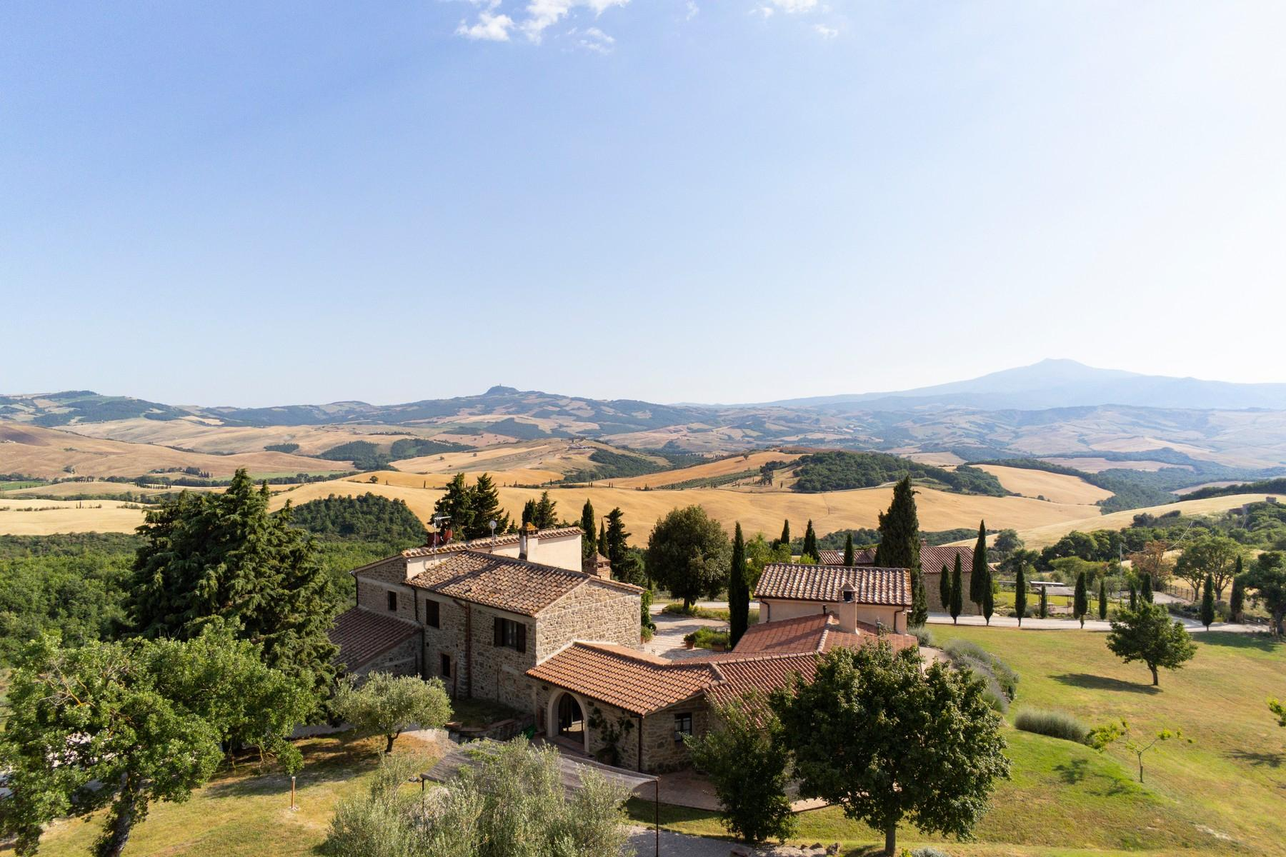 Equestrian facility/boutique hotel Val d'Orcia - 1