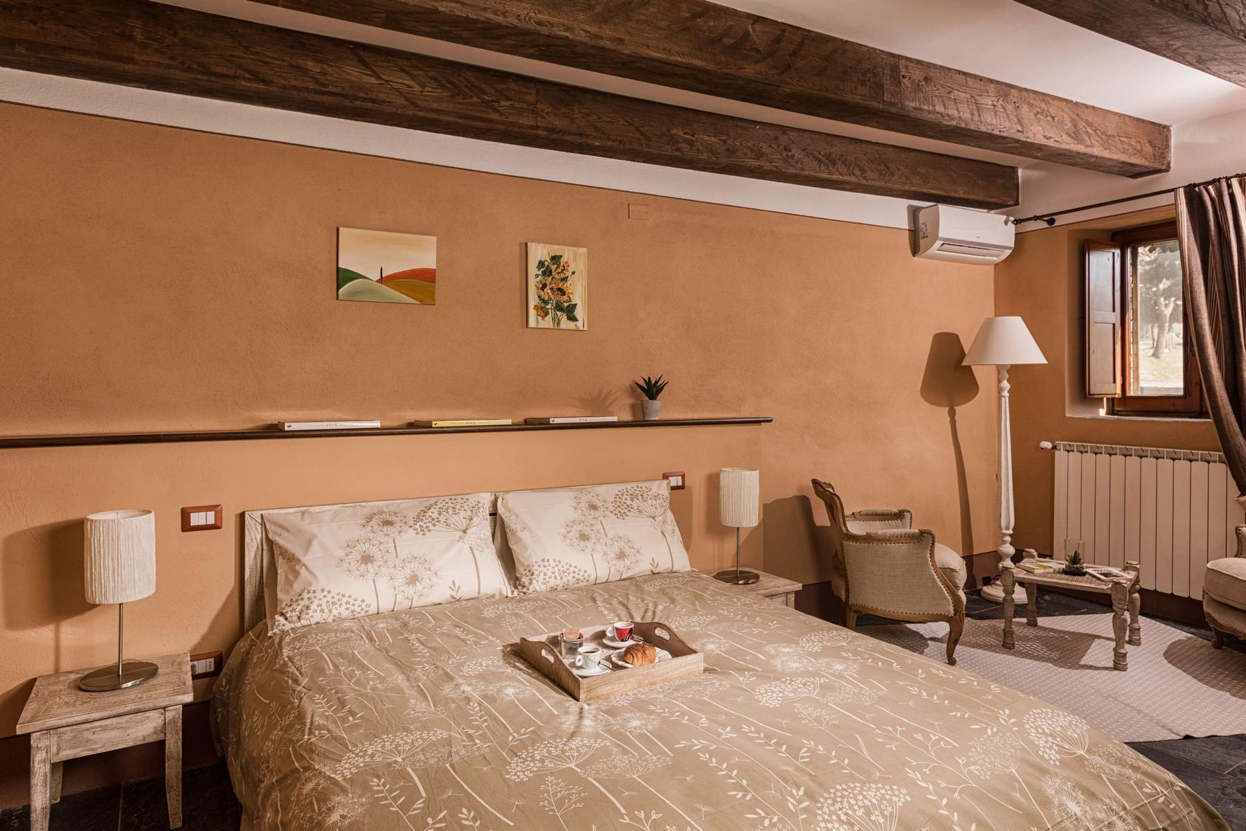 Equestrian facility/boutique hotel Val d'Orcia - 11