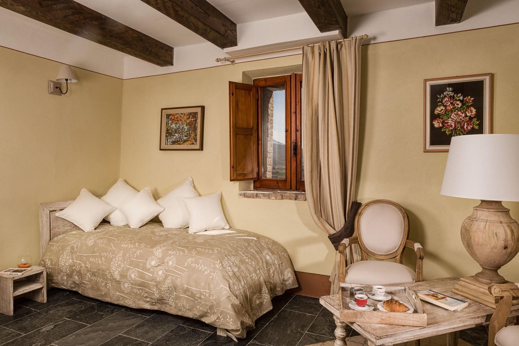 Equestrian facility/boutique hotel Val d'Orcia - 12