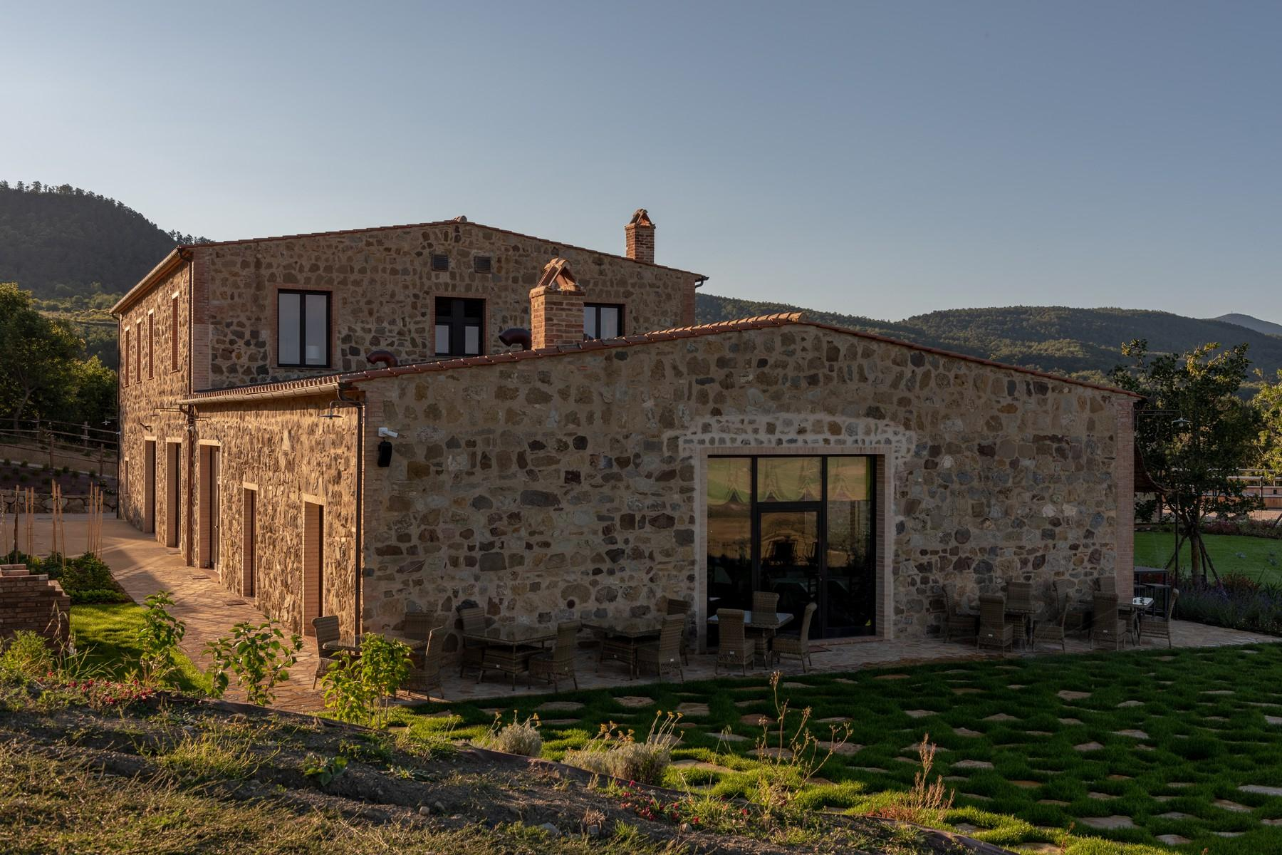 Equestrian facility/boutique hotel Val d'Orcia - 5