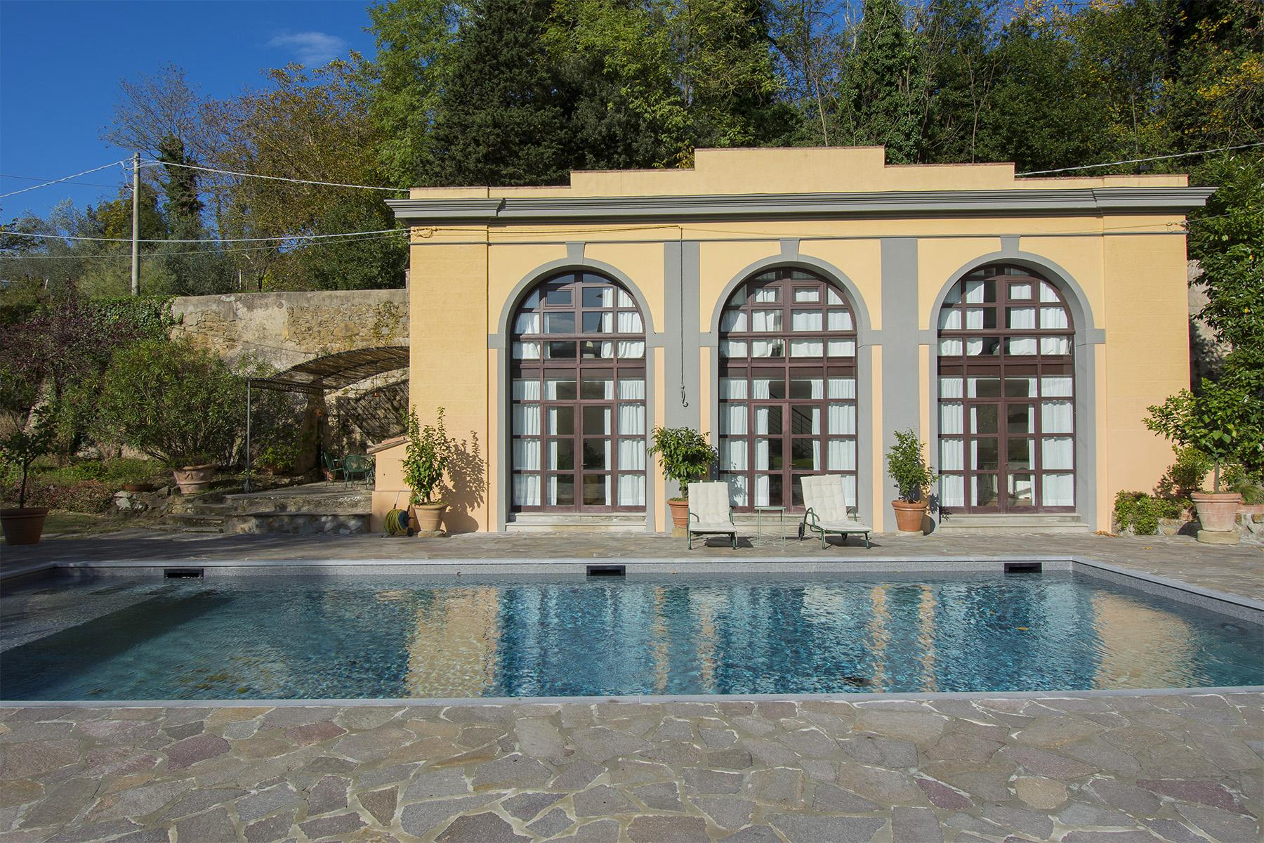 An important villa with pool on the hills of Florence - 10