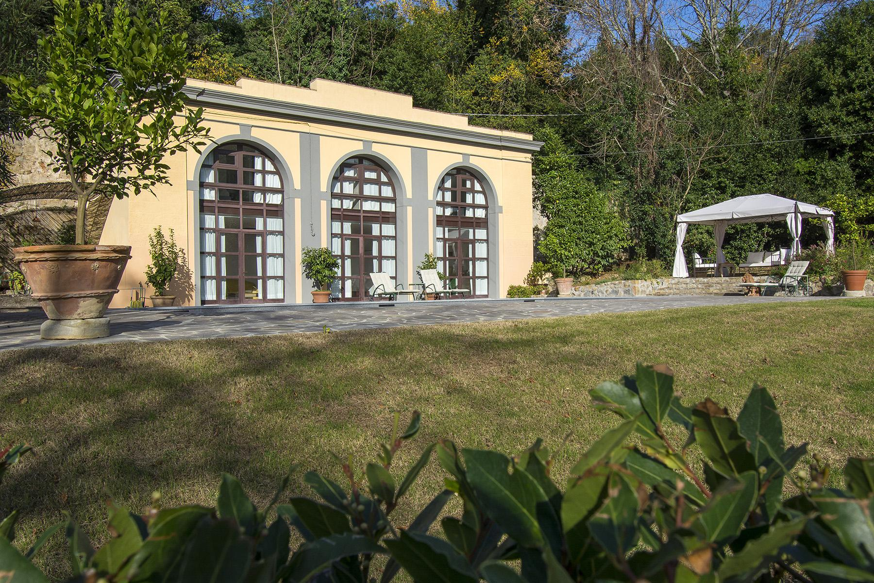 An important villa with pool on the hills of Florence - 4