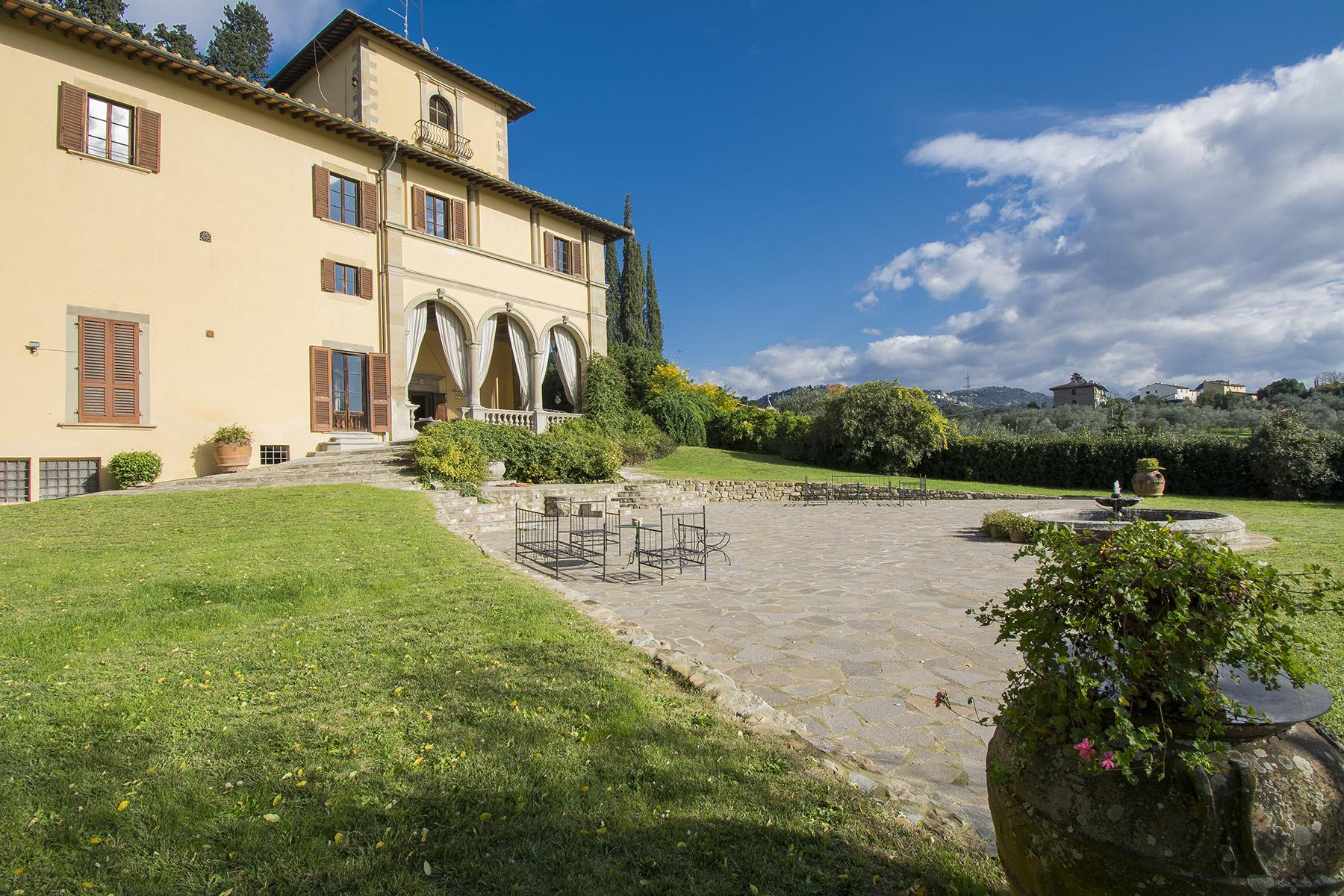 An important villa with pool on the hills of Florence - 7