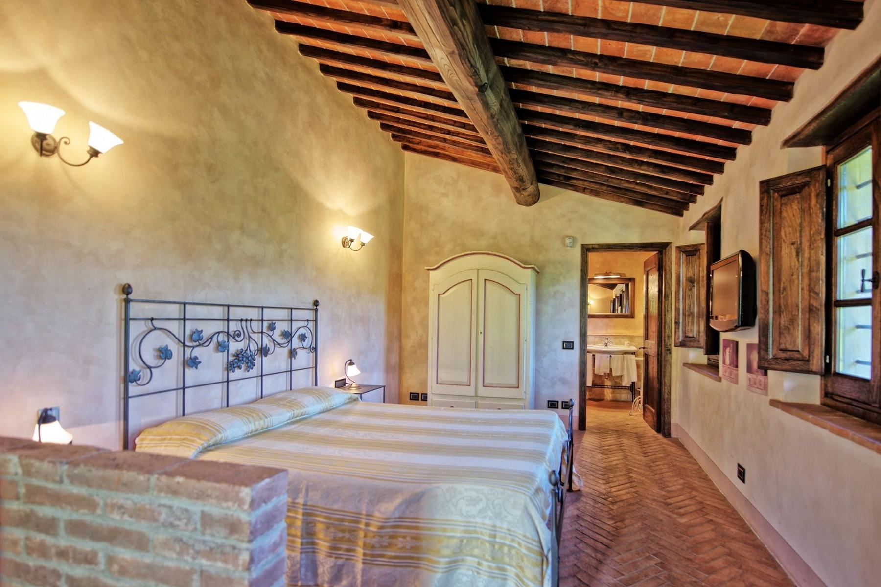 Farmhouse for sale in the Tuscan hills - 12