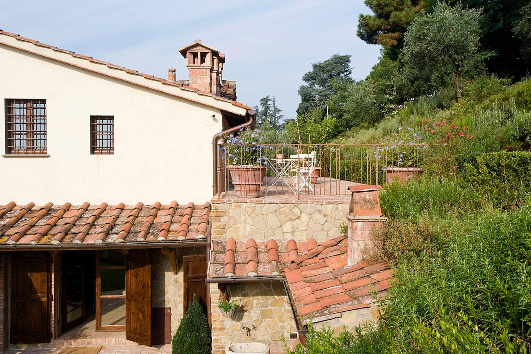 Farmhouse for sale in the Tuscan hills - 22