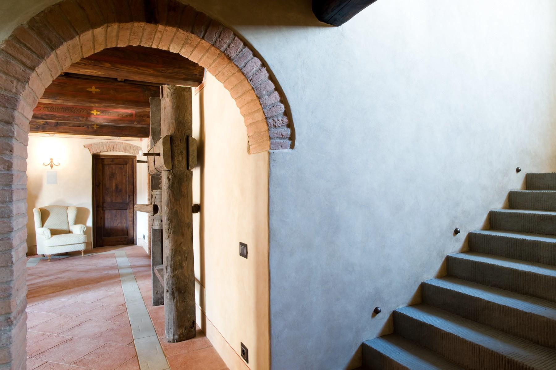 Farmhouse for sale in the Tuscan hills - 9