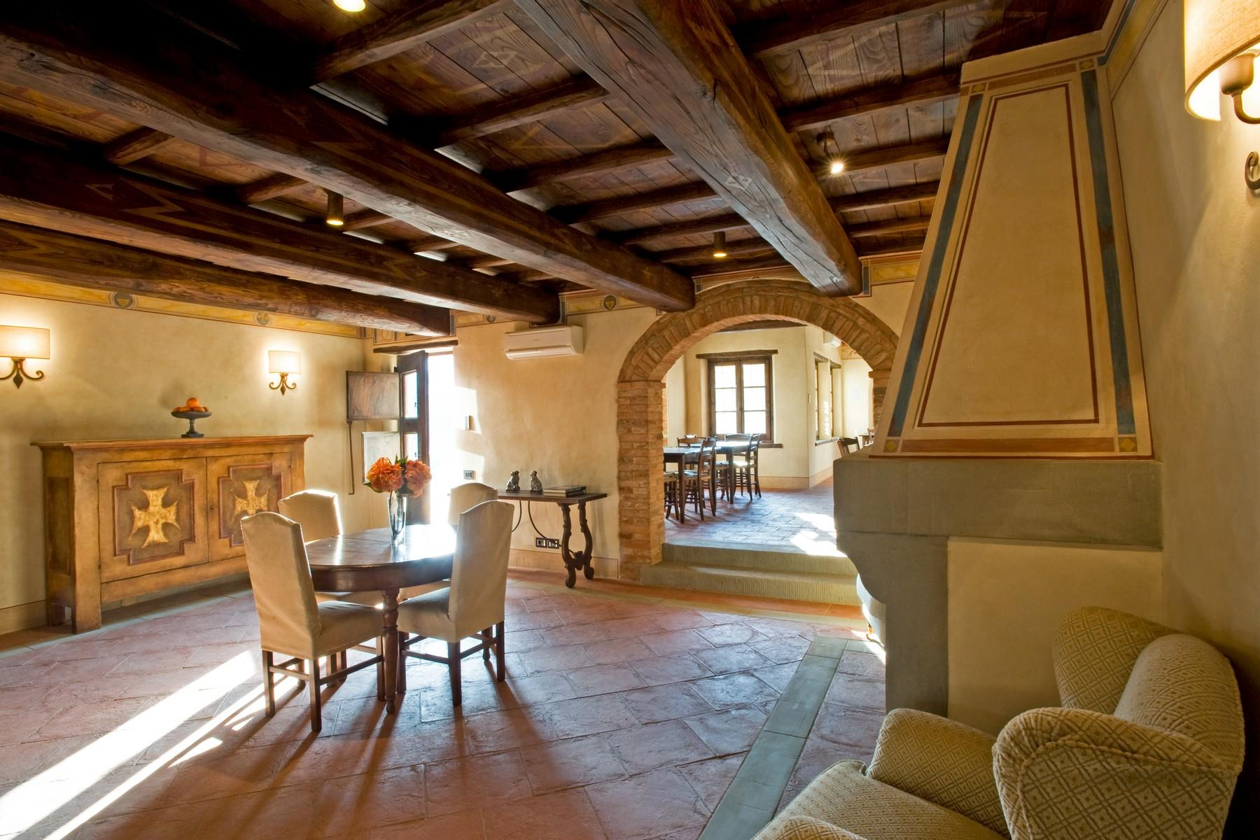 Farmhouse for sale in the Tuscan hills - 7
