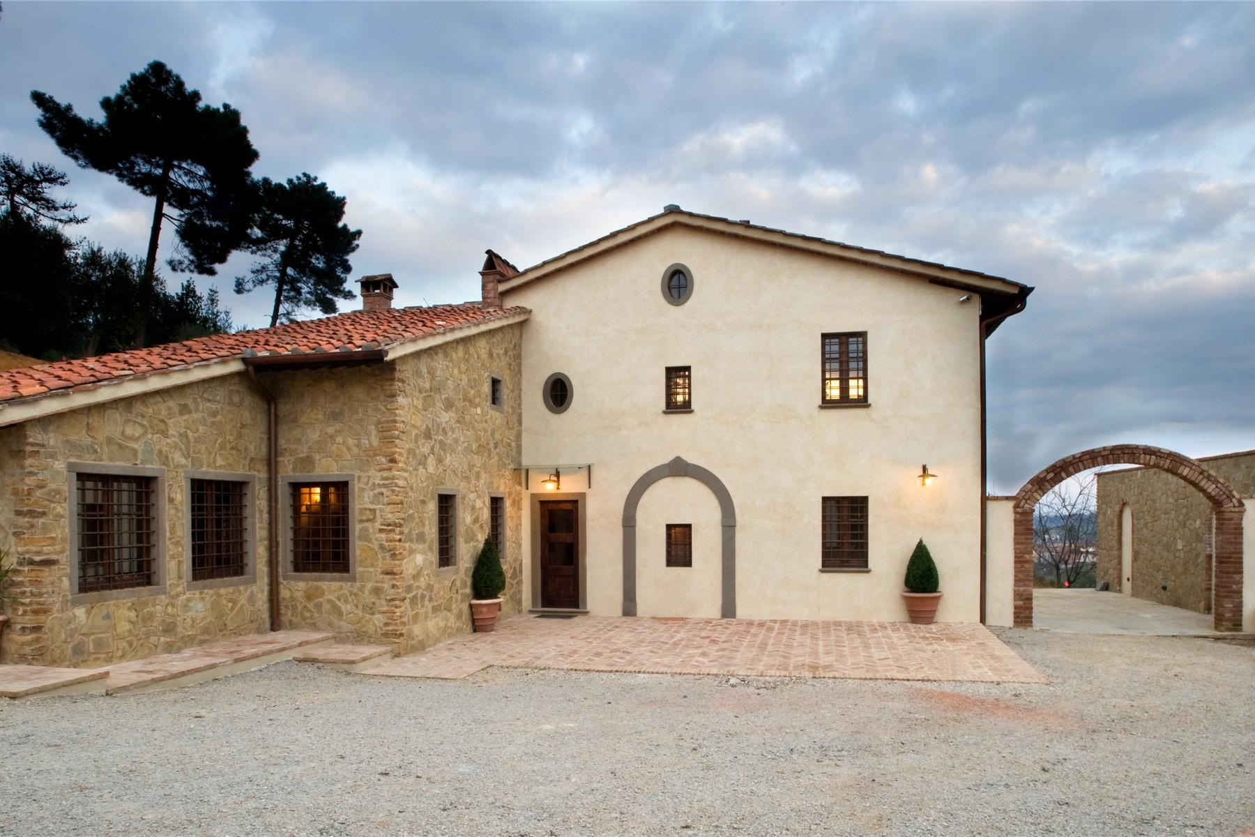 Farmhouse for sale in the Tuscan hills - 3