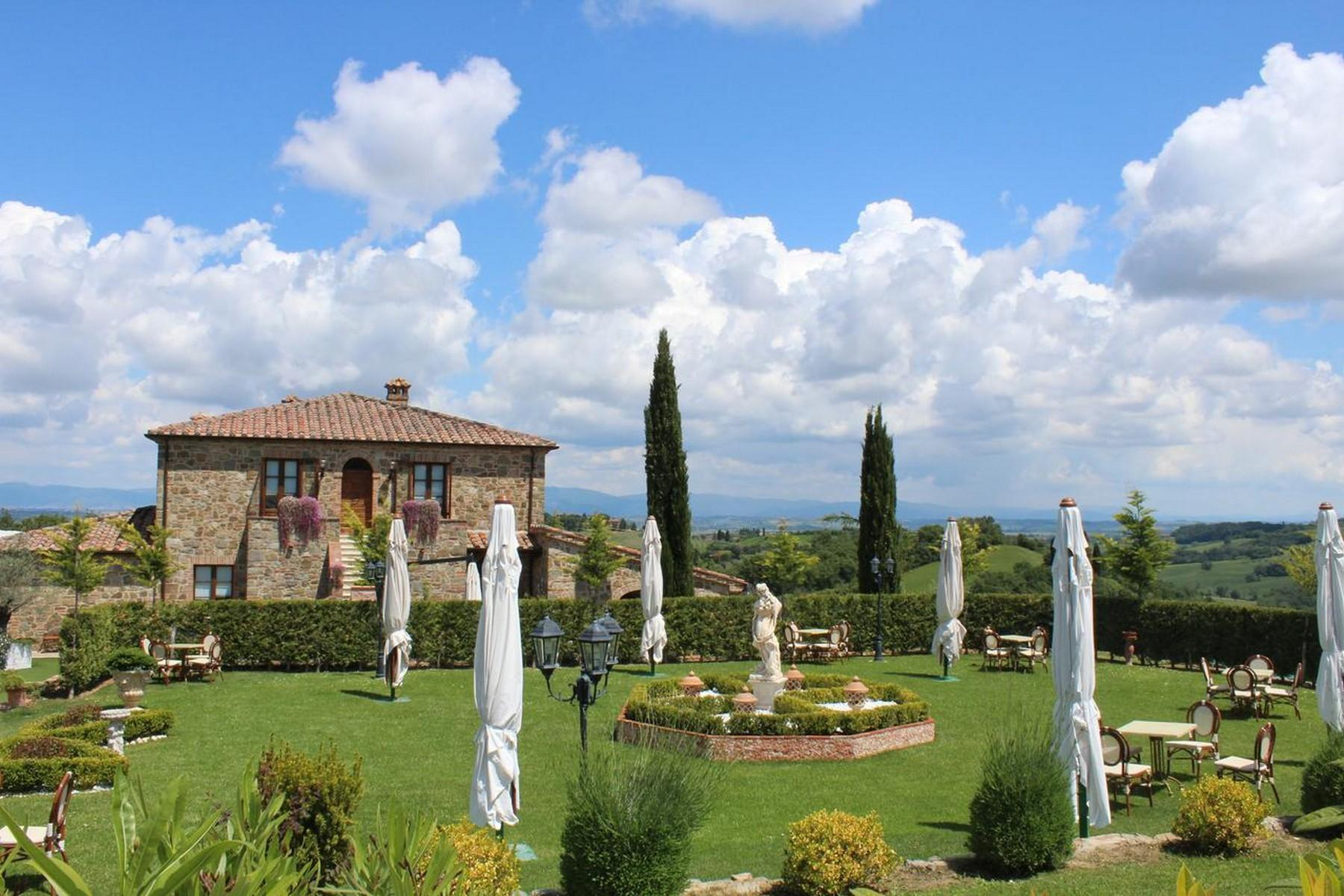 Beautiful Boutique Hotel with Restaurant and SPA in the hills of Torrita di Siena - 2